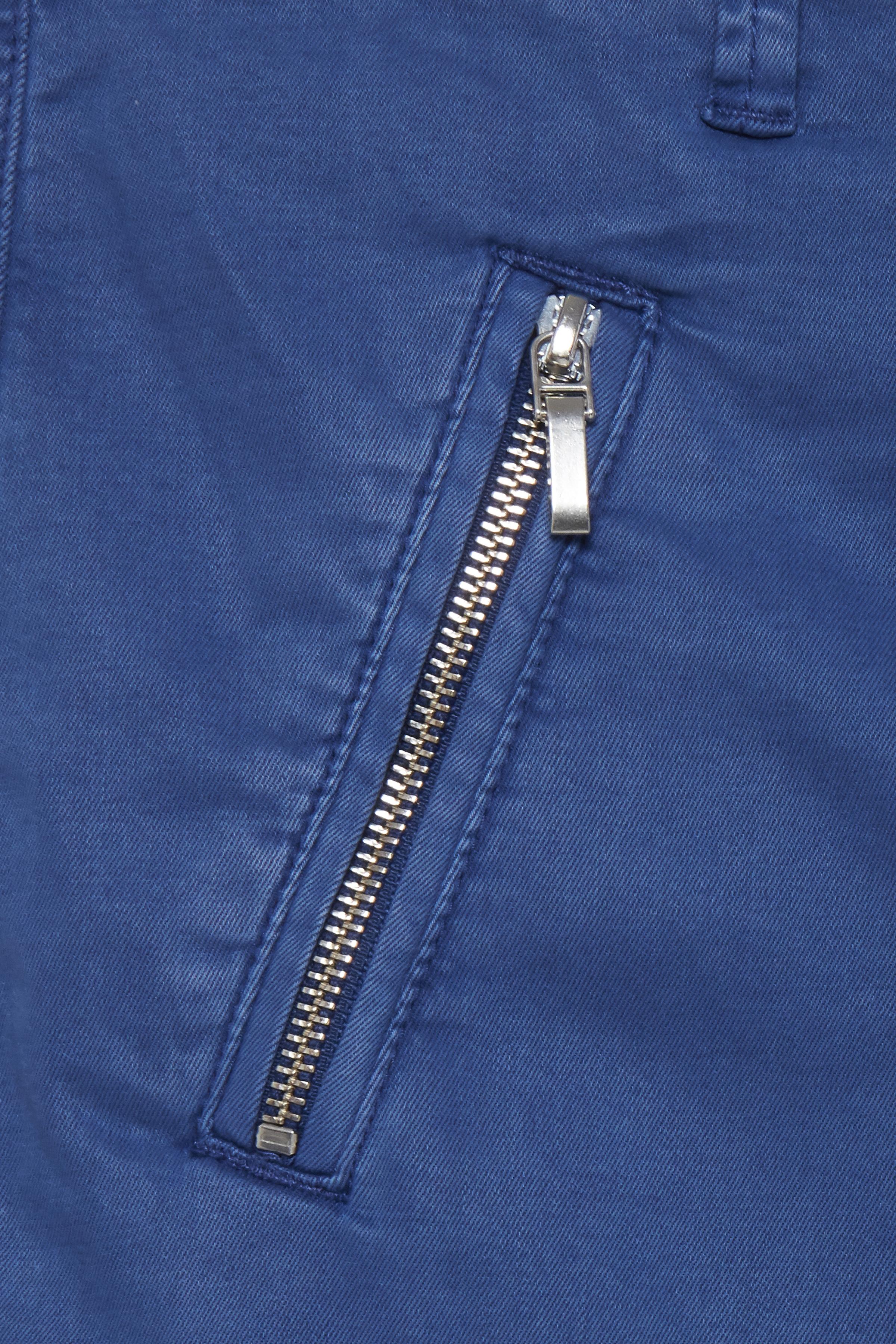 Blå Casual byxor från Pulz Jeans – Köp Blå Casual byxor från stl. 32-46 här