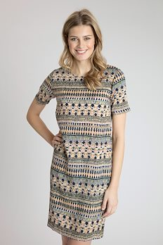 8e9eb312 Kjoler og tunika | Se udvalget af moderne tunika og kjoler online
