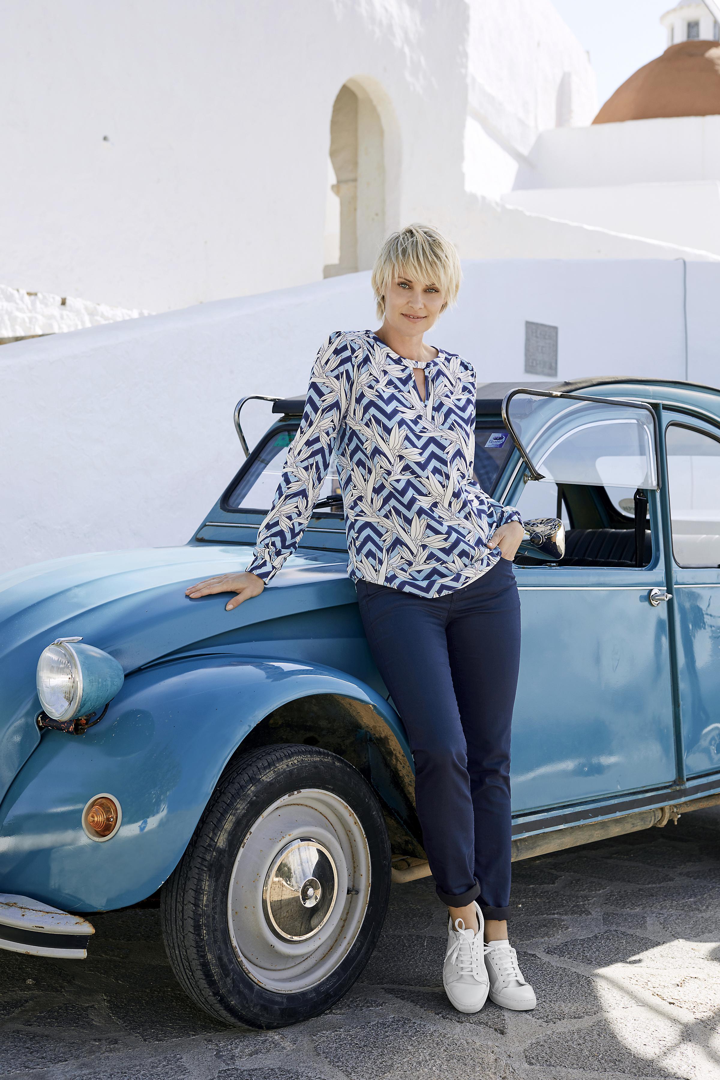 Blau/wollweiß Langarm-Bluse von Fransa – Shoppen Sie Blau/wollweiß Langarm-Bluse ab Gr. XS-XXL hier