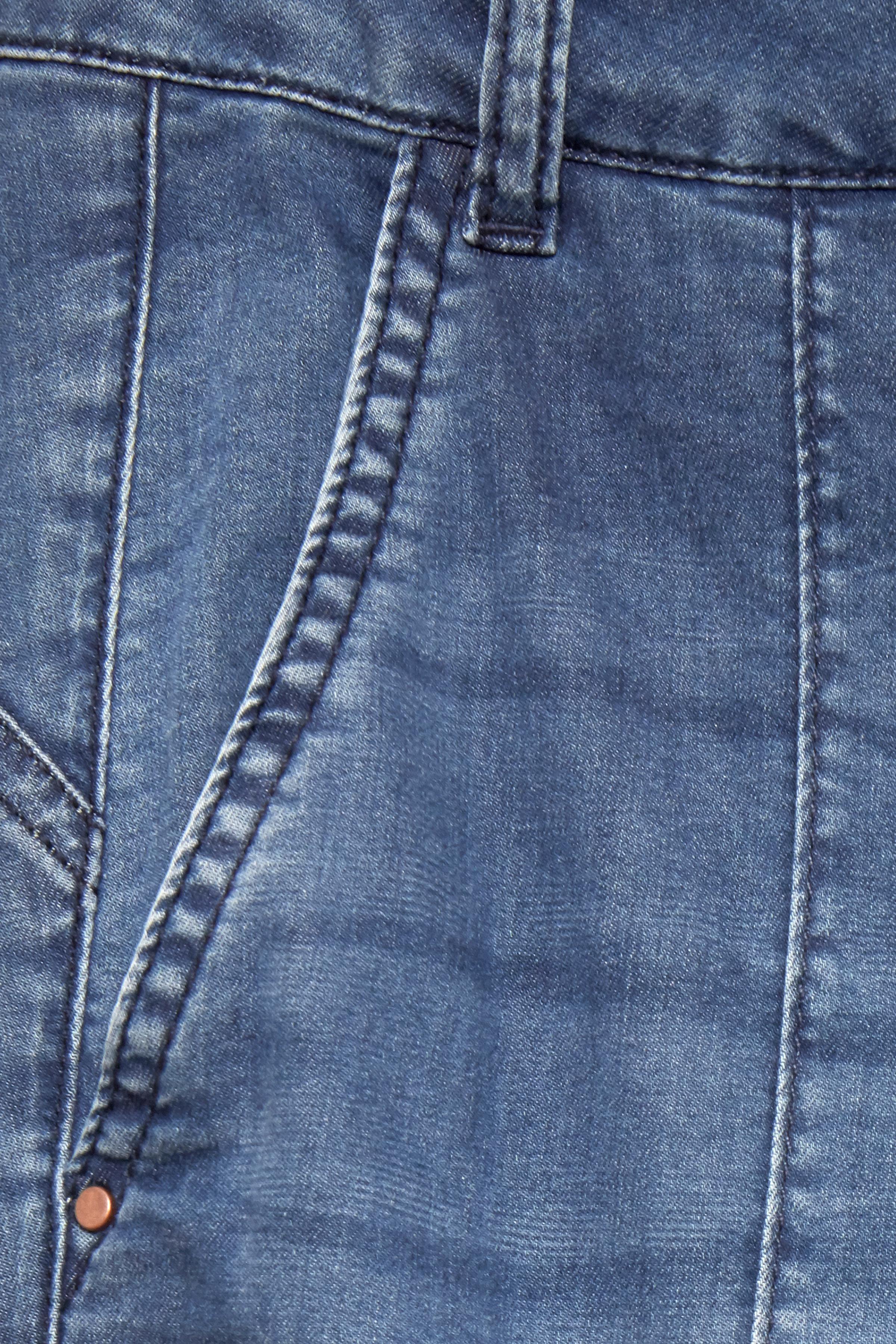 Denimblå Denimbyxa från Dranella – Köp Denimblå Denimbyxa från stl. 32-46 här