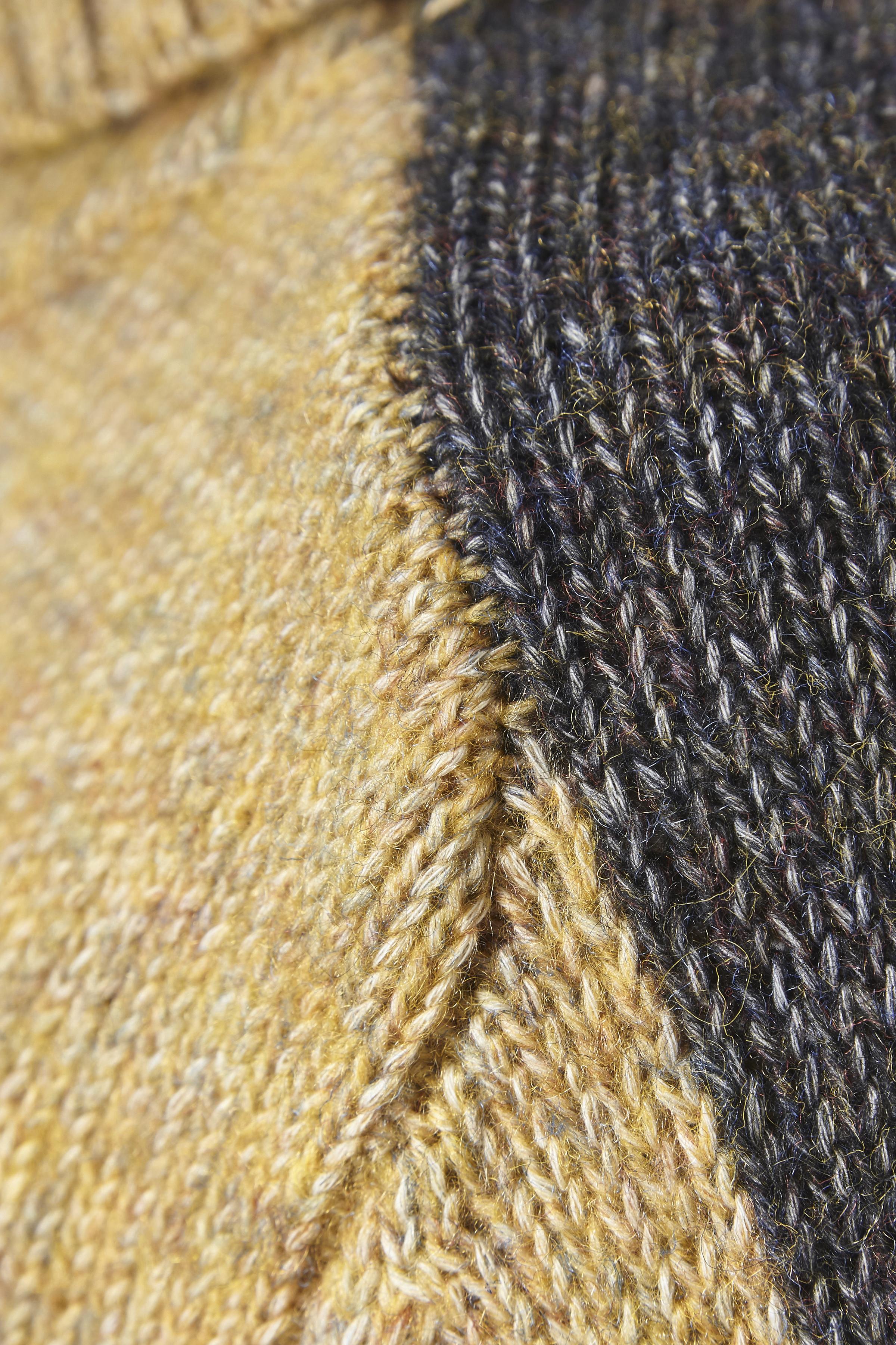 Dim gulmelerad Stickad pullover från Denim Hunter – Köp Dim gulmelerad Stickad pullover från stl. XS-XXL här