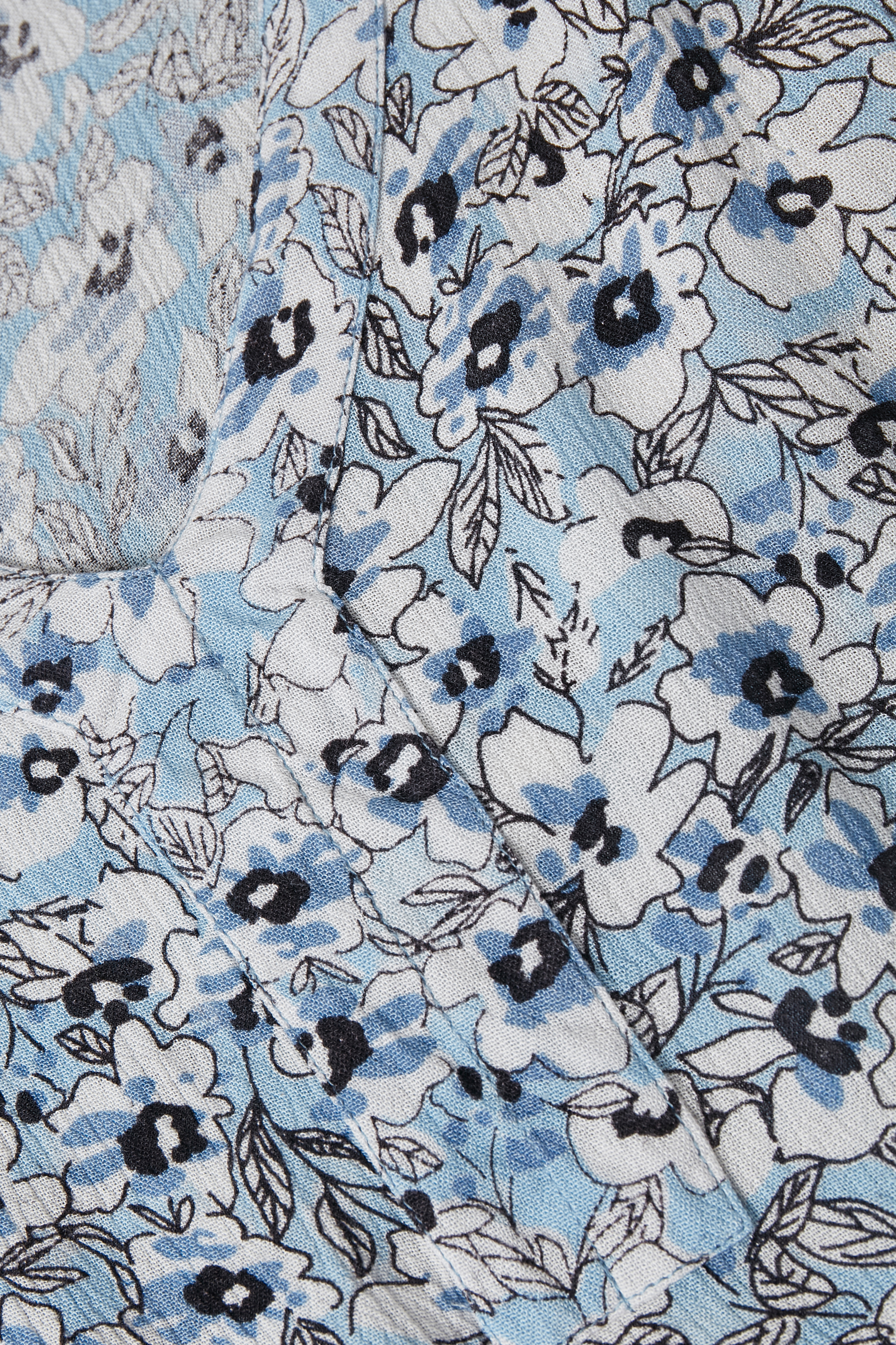 Dimblå/vit Kortärmad blus  från Kaffe – Köp Dimblå/vit Kortärmad blus  från stl. 34-46 här