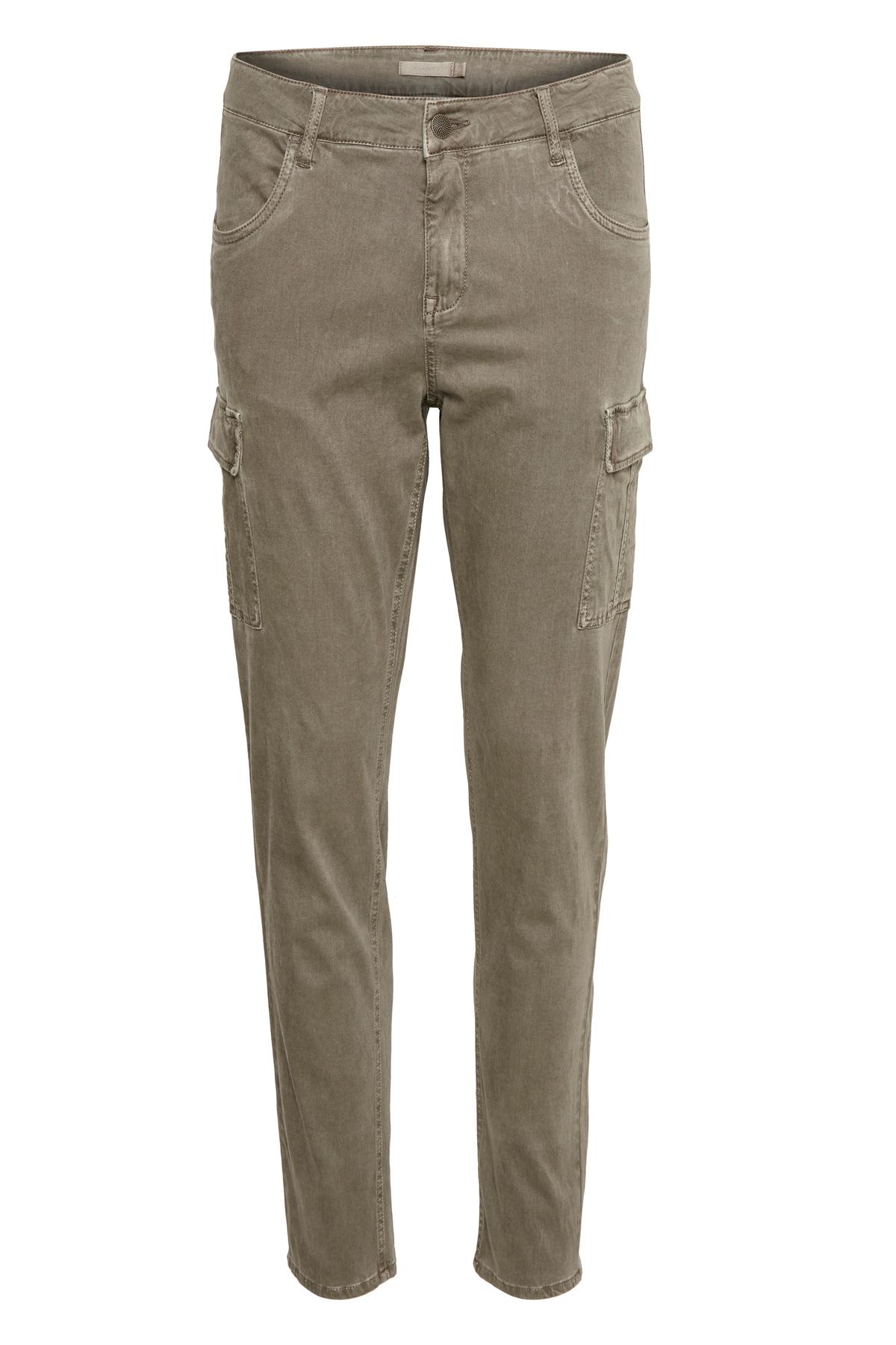 Bon'A Parte Dame Comfortabele broek van stevige twill met een zacht oppervlak. Vaste tailleband, riemlussen en rits. Steekzakken voor, heupzakken met klep en paspelzakken achter. Draag deze casual broek met een cool T-shirt, een vest en veterschoenen voor