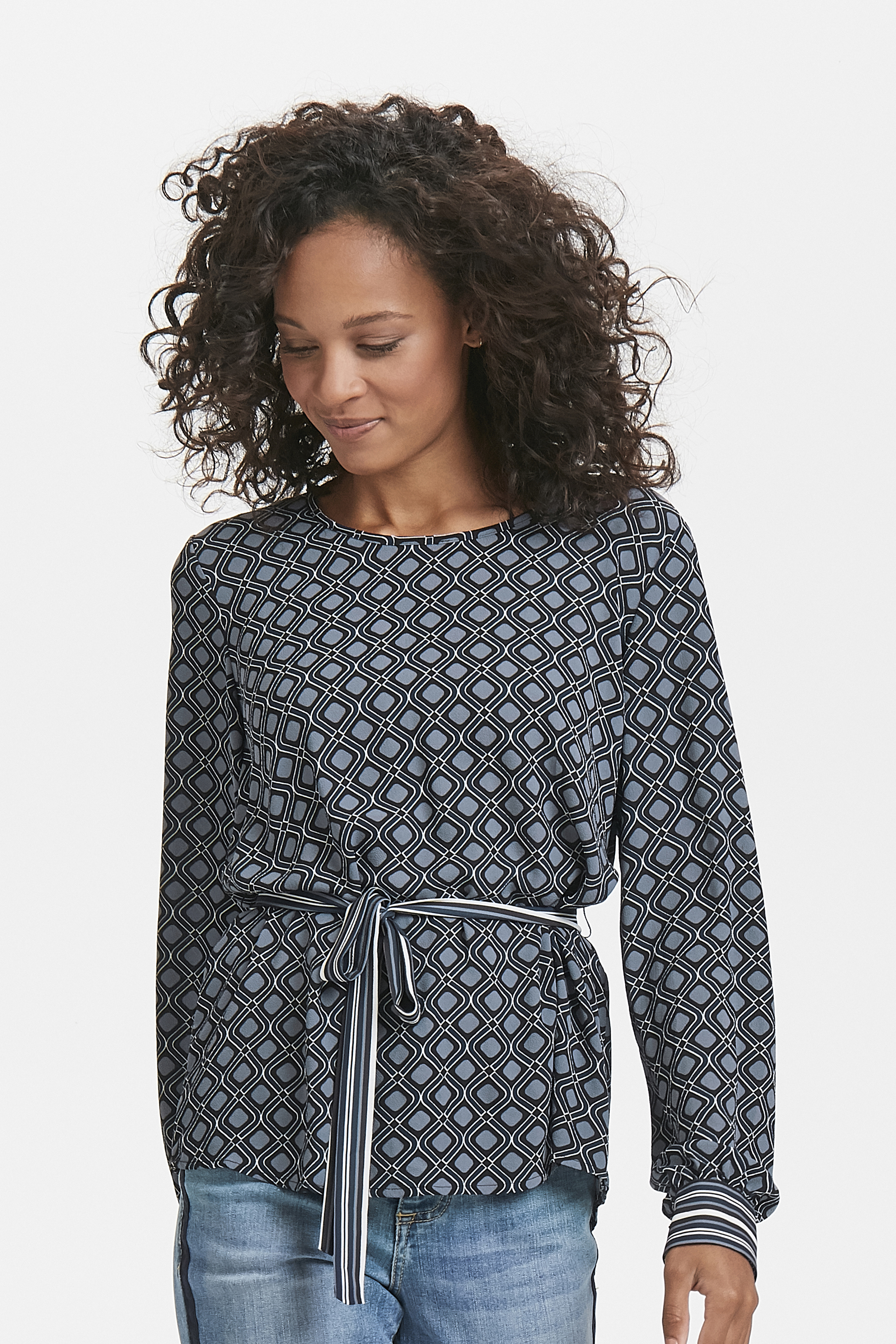 Grau/schwarz Langarm-Bluse  von Kaffe – Shoppen SieGrau/schwarz Langarm-Bluse  ab Gr. 34-46 hier