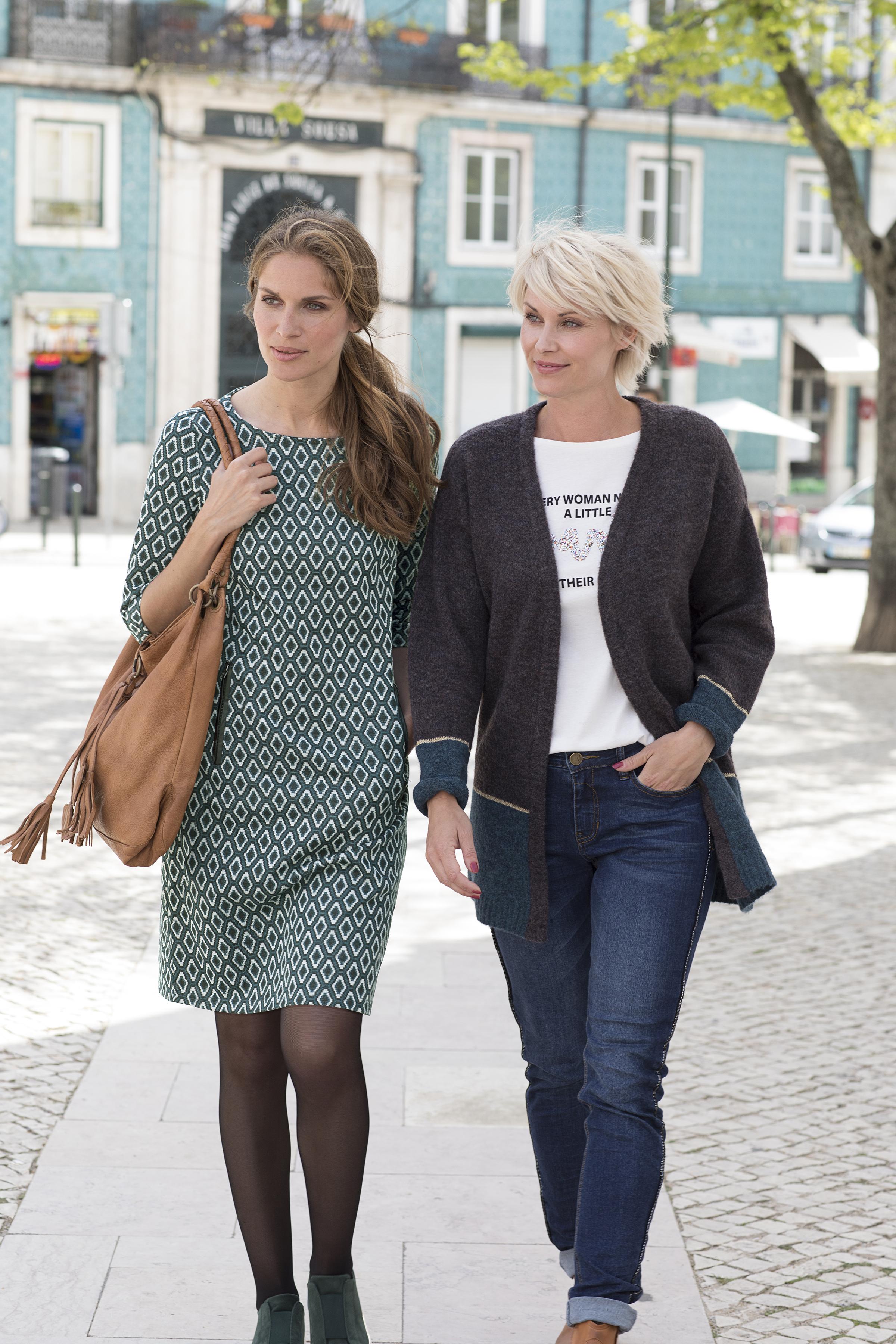 Grau/weiß Kleid von Fransa – Shoppen Sie Grau/weiß Kleid ab Gr. XS-XXL hier