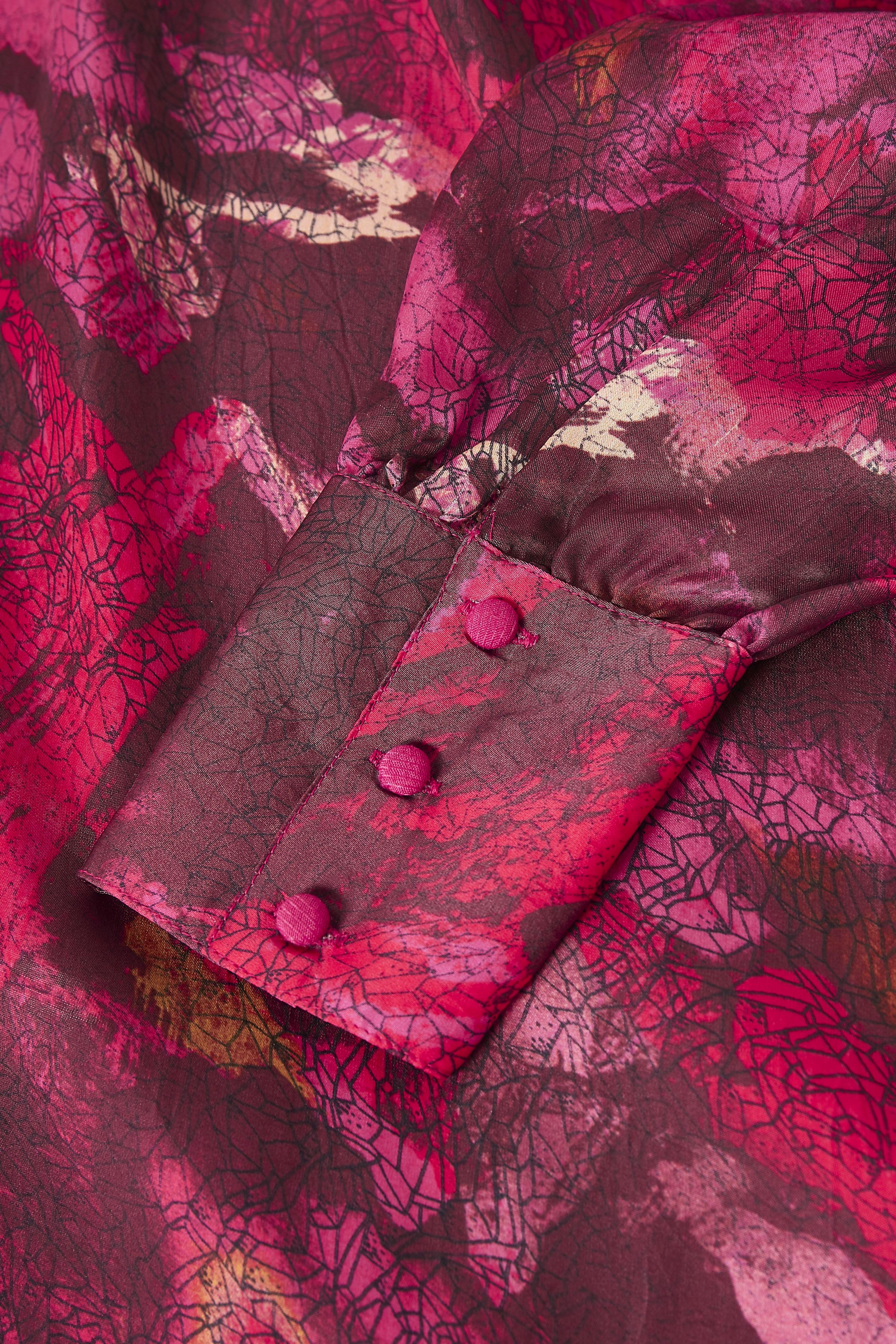Hallonröd Klänning från Dranella – Köp Hallonröd Klänning från stl. XS-XXL här
