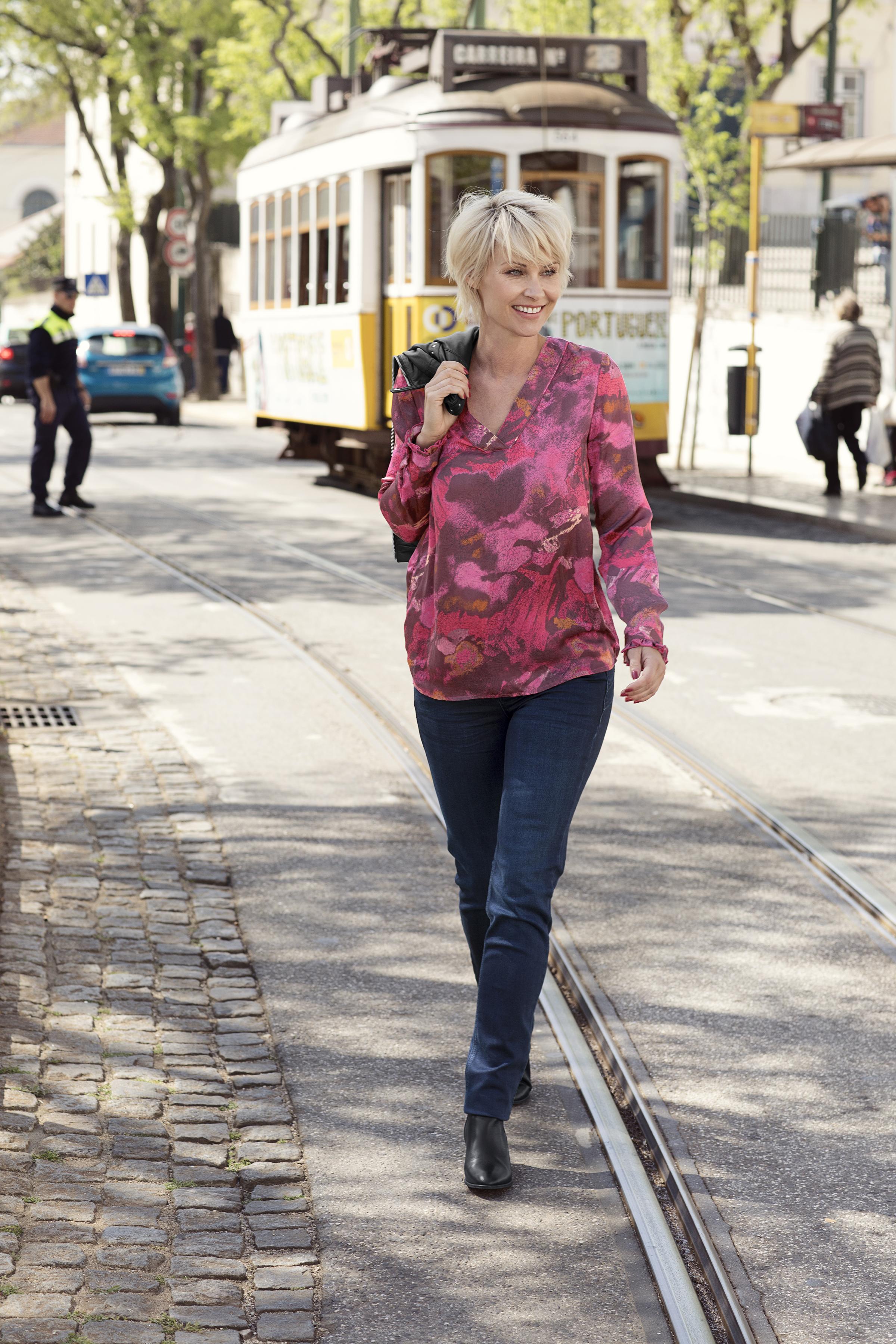Himbeerrot Langarm-Bluse von Dranella – Shoppen Sie Himbeerrot Langarm-Bluse ab Gr. XS-XXL hier
