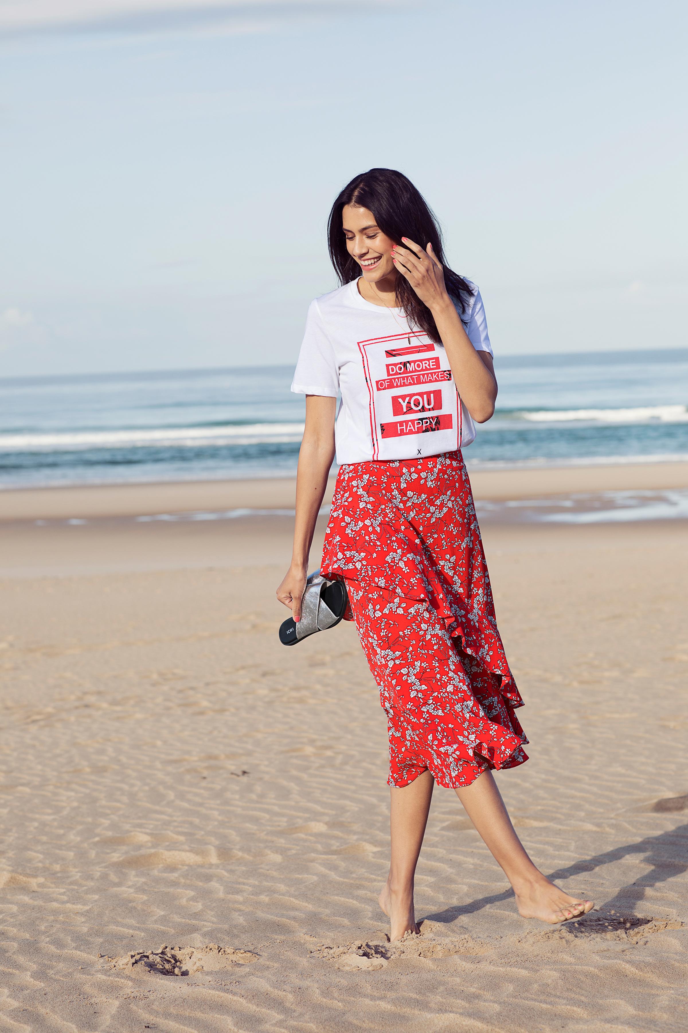 Hvid/rød Kortærmet T-shirt fra b.young – Køb Hvid/rød Kortærmet T-shirt fra str. XS-XXL her