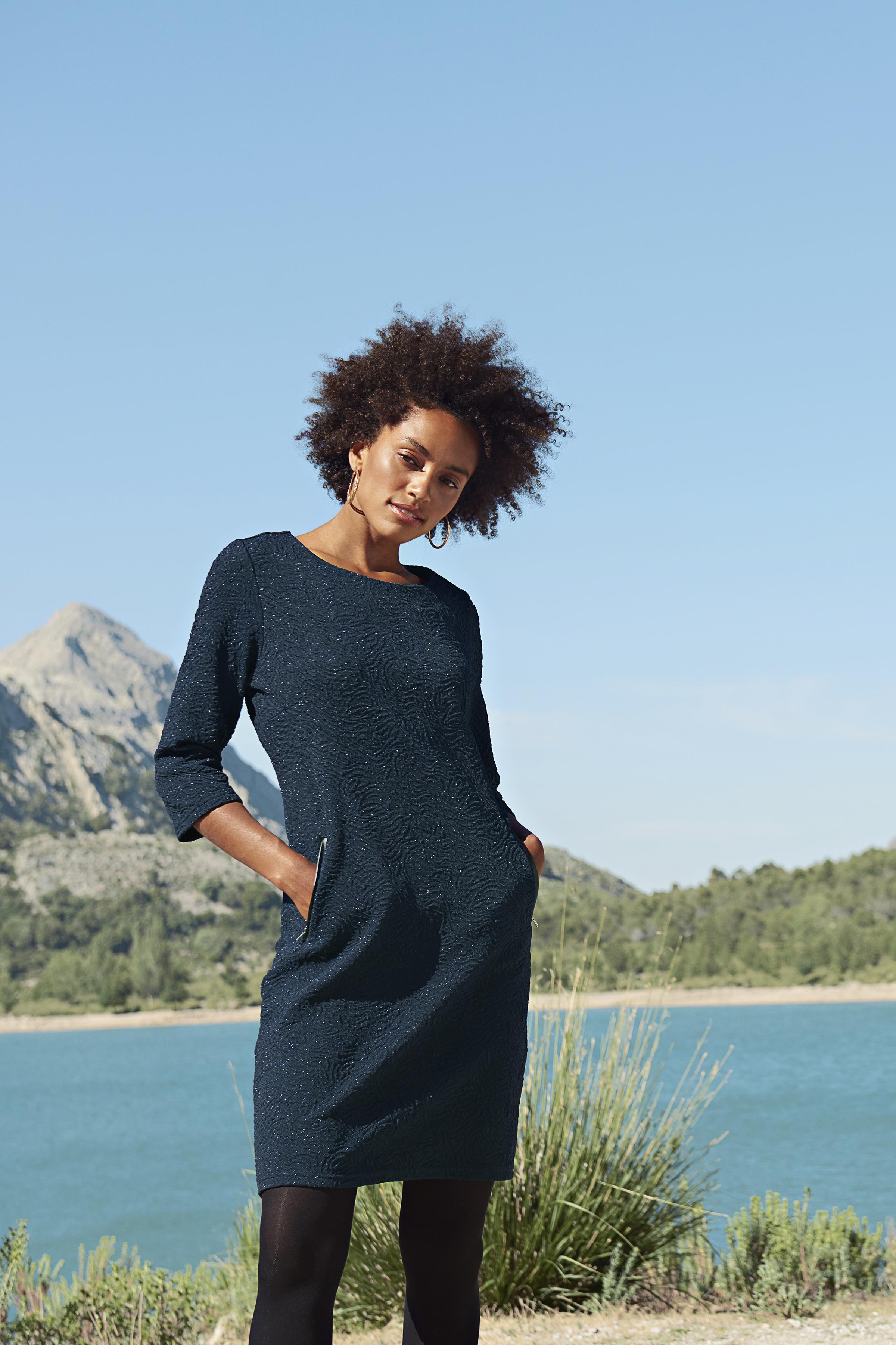 Marinblå Klänning från Fransa – Köp Marinblå Klänning från stl. XS-XXL här