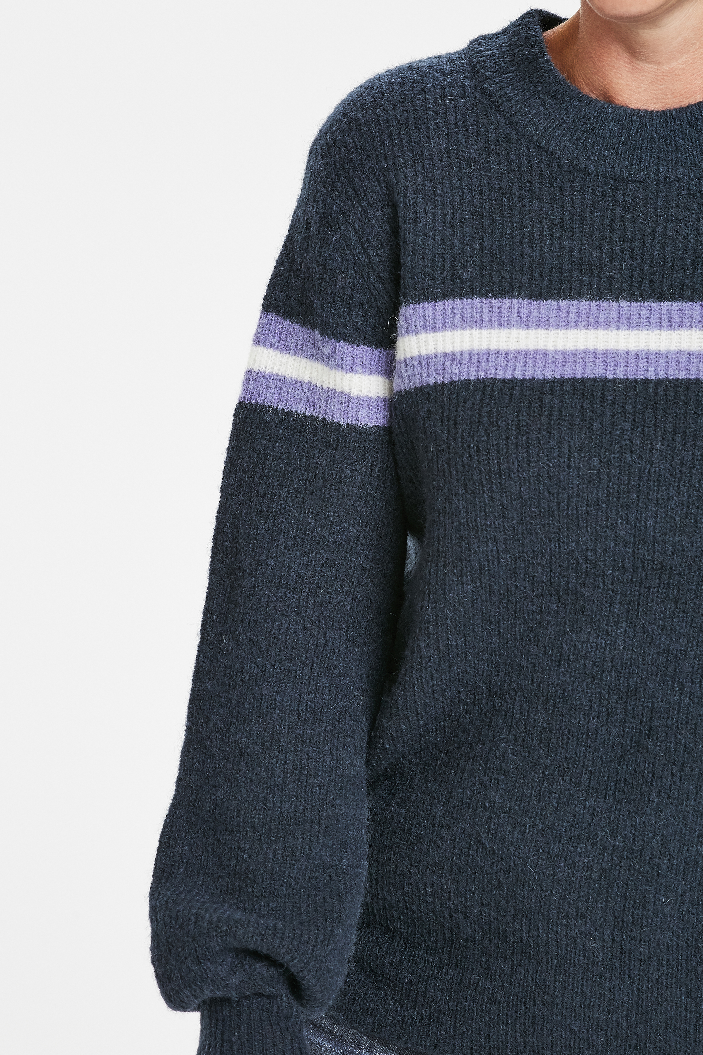 Marinblå Stickad pullover från Kaffe – Köp Marinblå Stickad pullover från stl. XS-XXL här