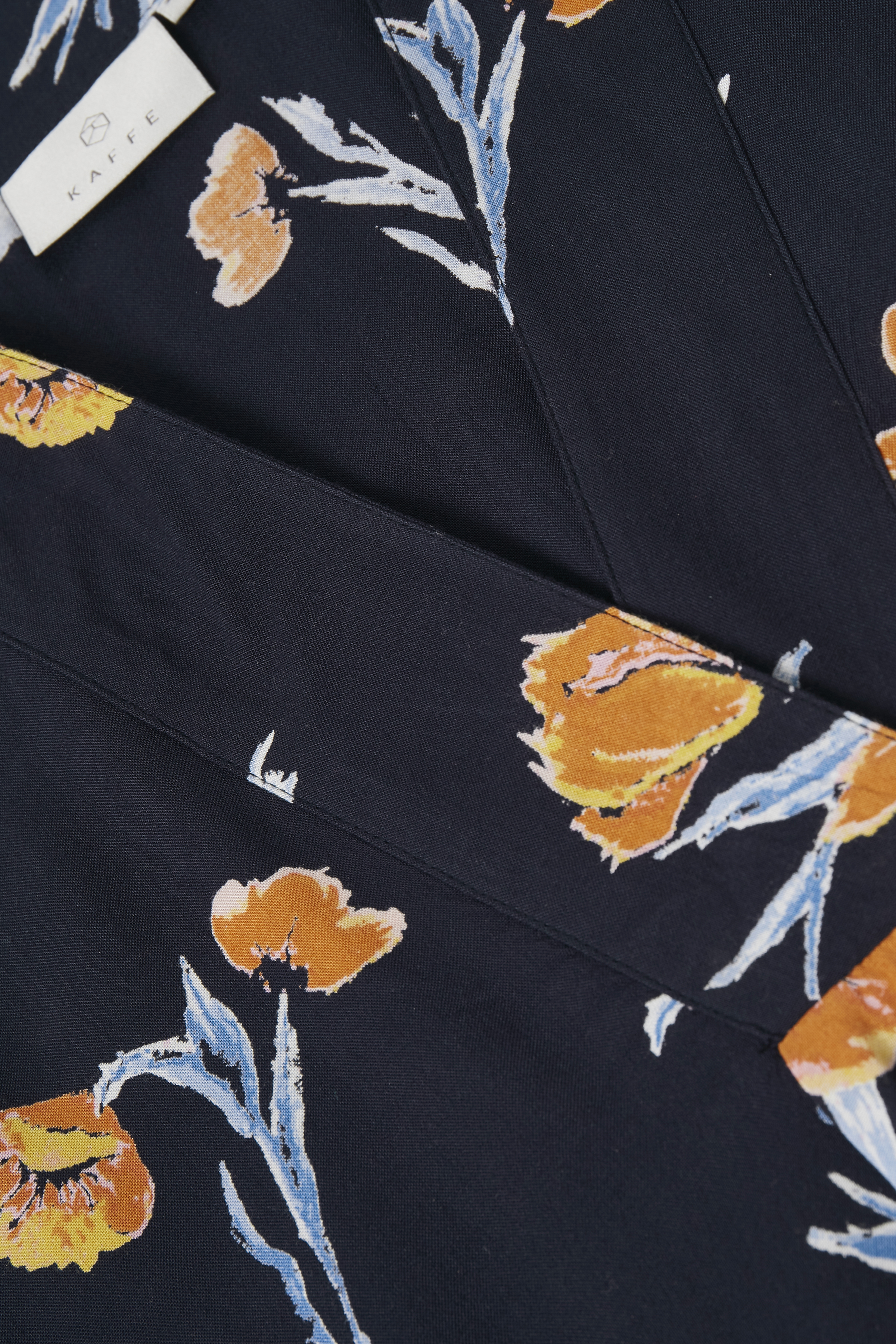Marineblå/brændt orange Tunika fra Kaffe – Køb Marineblå/brændt orange Tunika fra str. 34-46 her