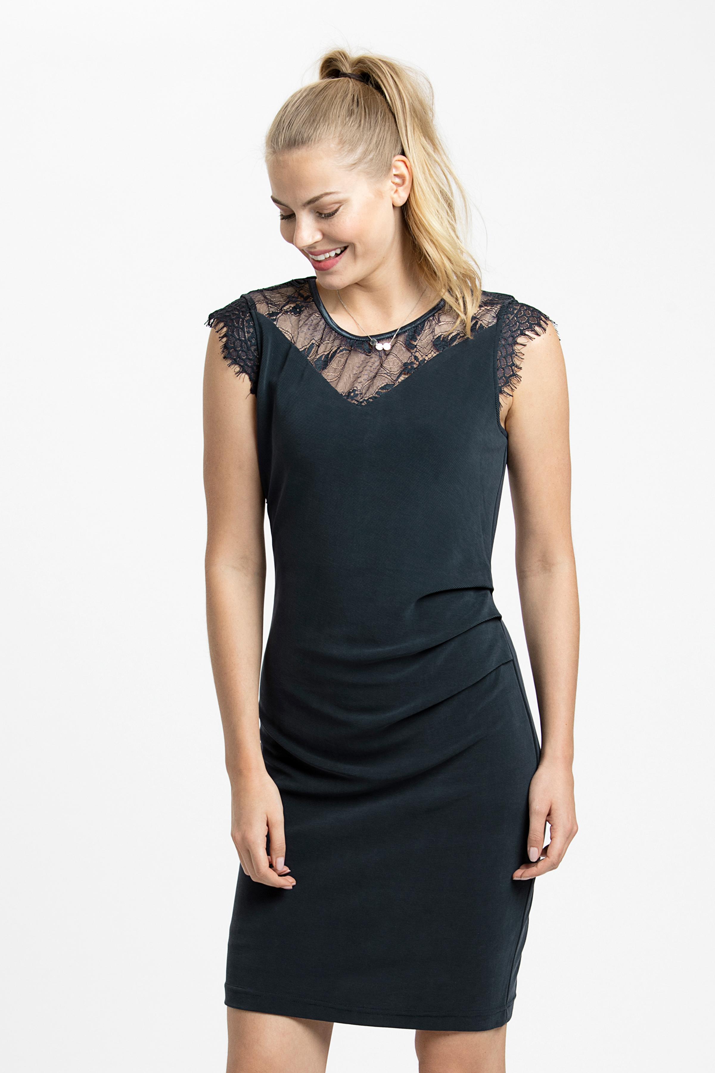 Marineblau Kleid von Kaffe – Shoppen SieMarineblau Kleid ab Gr. XS-XXL hier