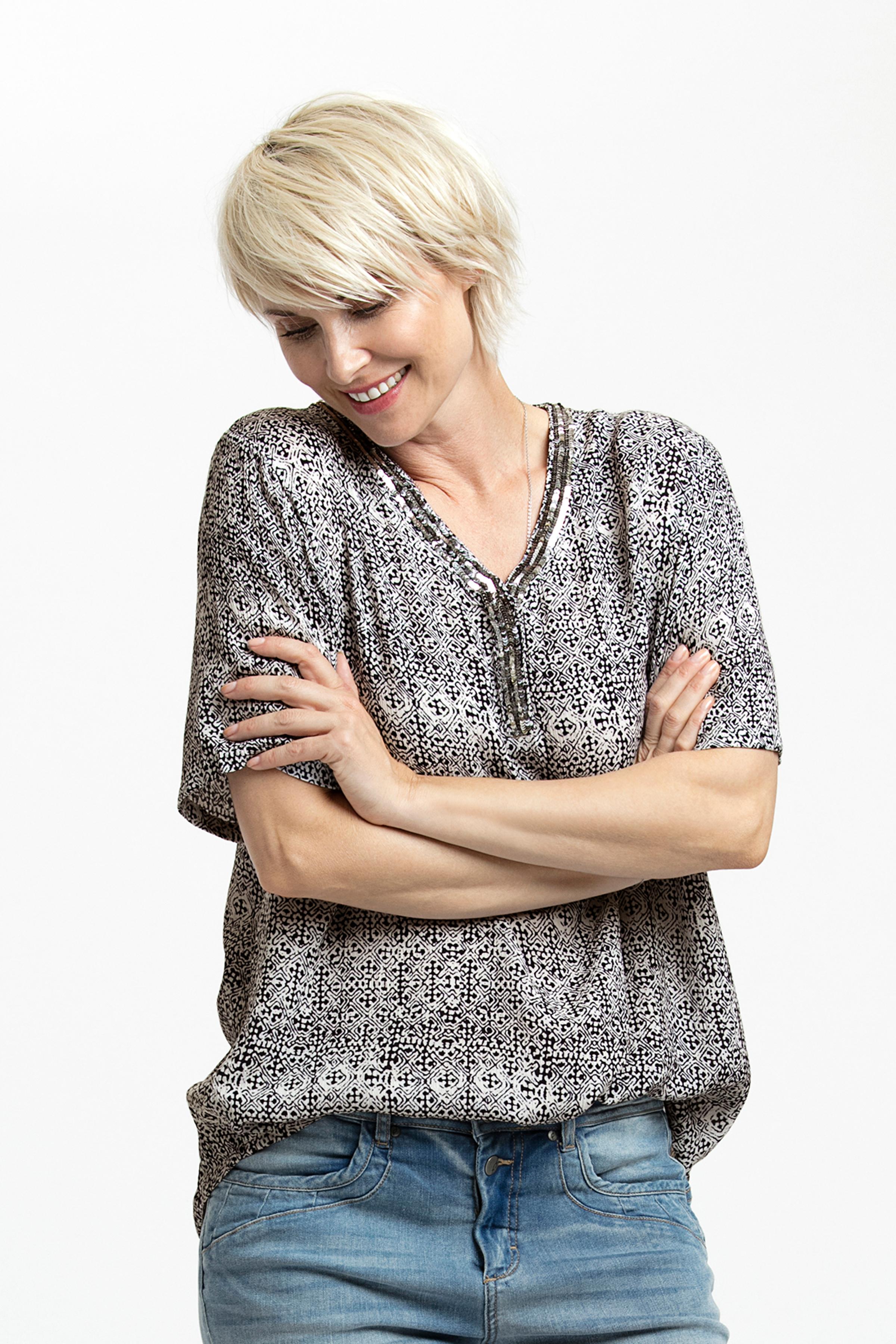 Marineblau Kurzarm-Bluse von Kaffe – Shoppen SieMarineblau Kurzarm-Bluse ab Gr. 34-46 hier