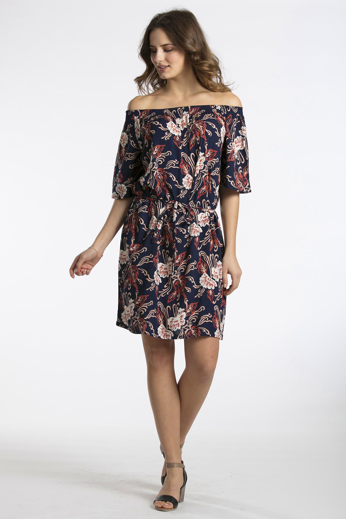 Marineblau/rot Kleid von Kaffe – Shoppen SieMarineblau/rot Kleid ab Gr. 34-46 hier