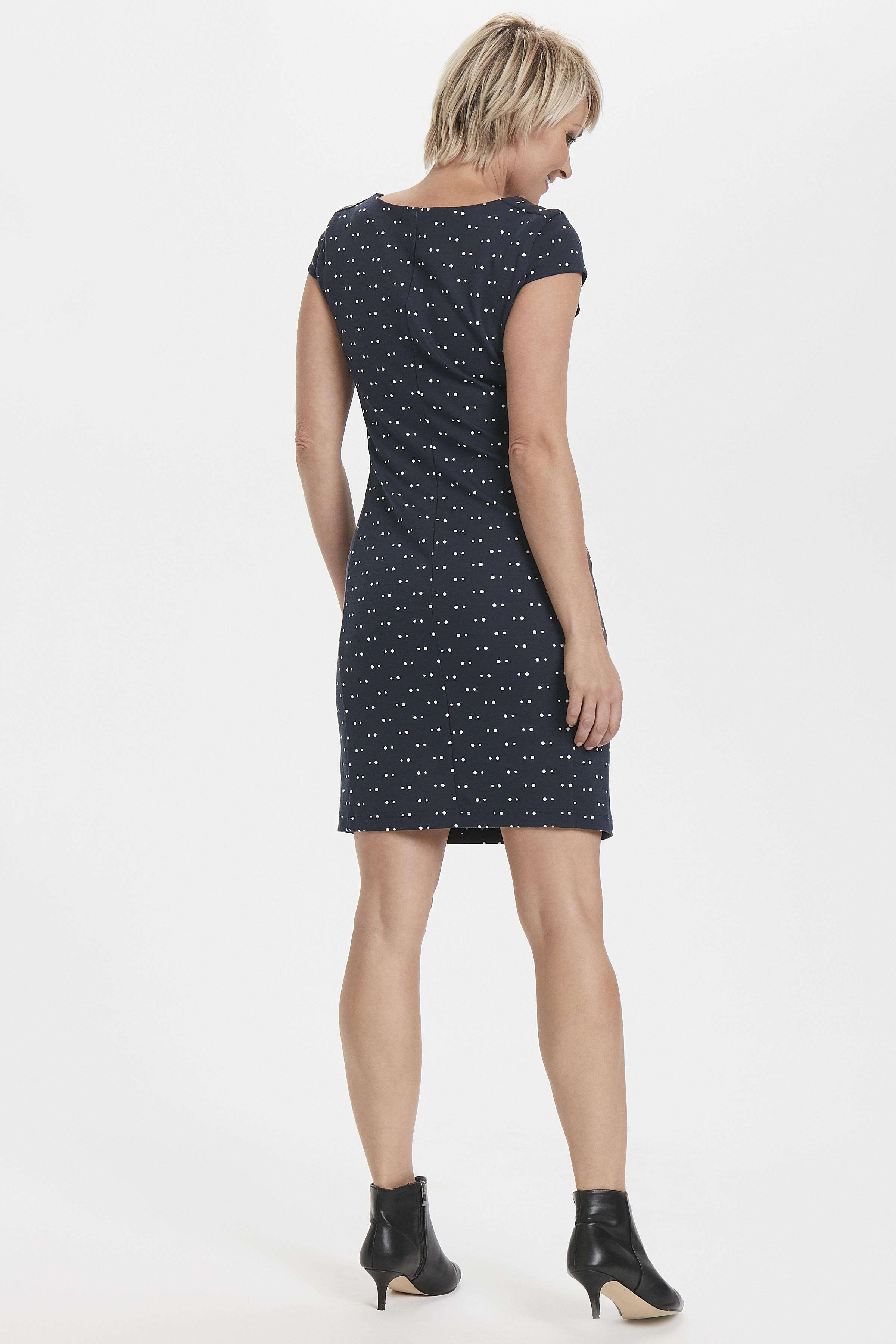 Marineblau/wollweiß Kleid von Kaffe – Shoppen Sie Marineblau/wollweiß Kleid ab Gr. XS-XXL hier