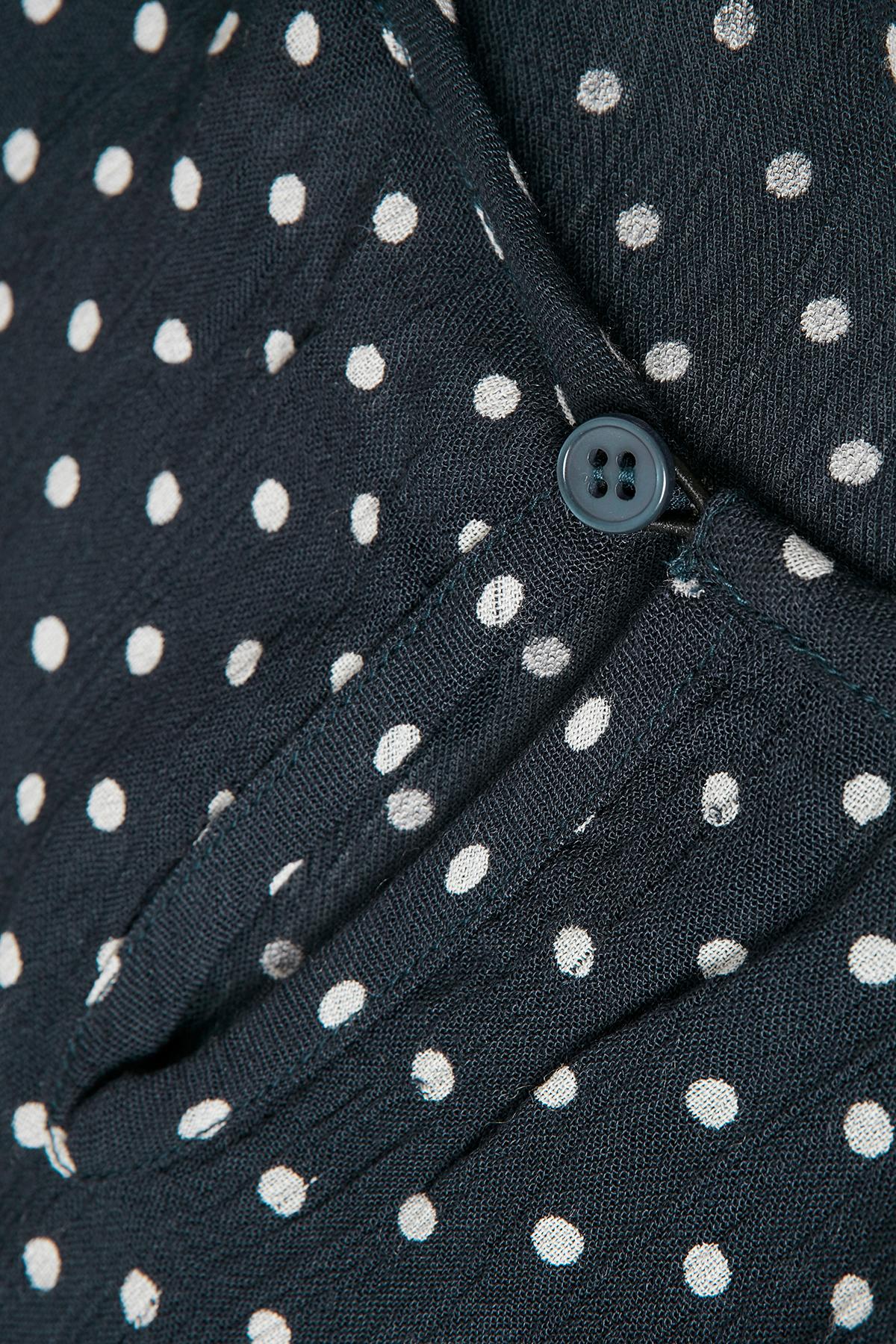 Marineblauw/off-white Blouse met korte mouwen van Kaffe – Door Marineblauw/off-white Blouse met korte mouwen van maat. 34-46 hier