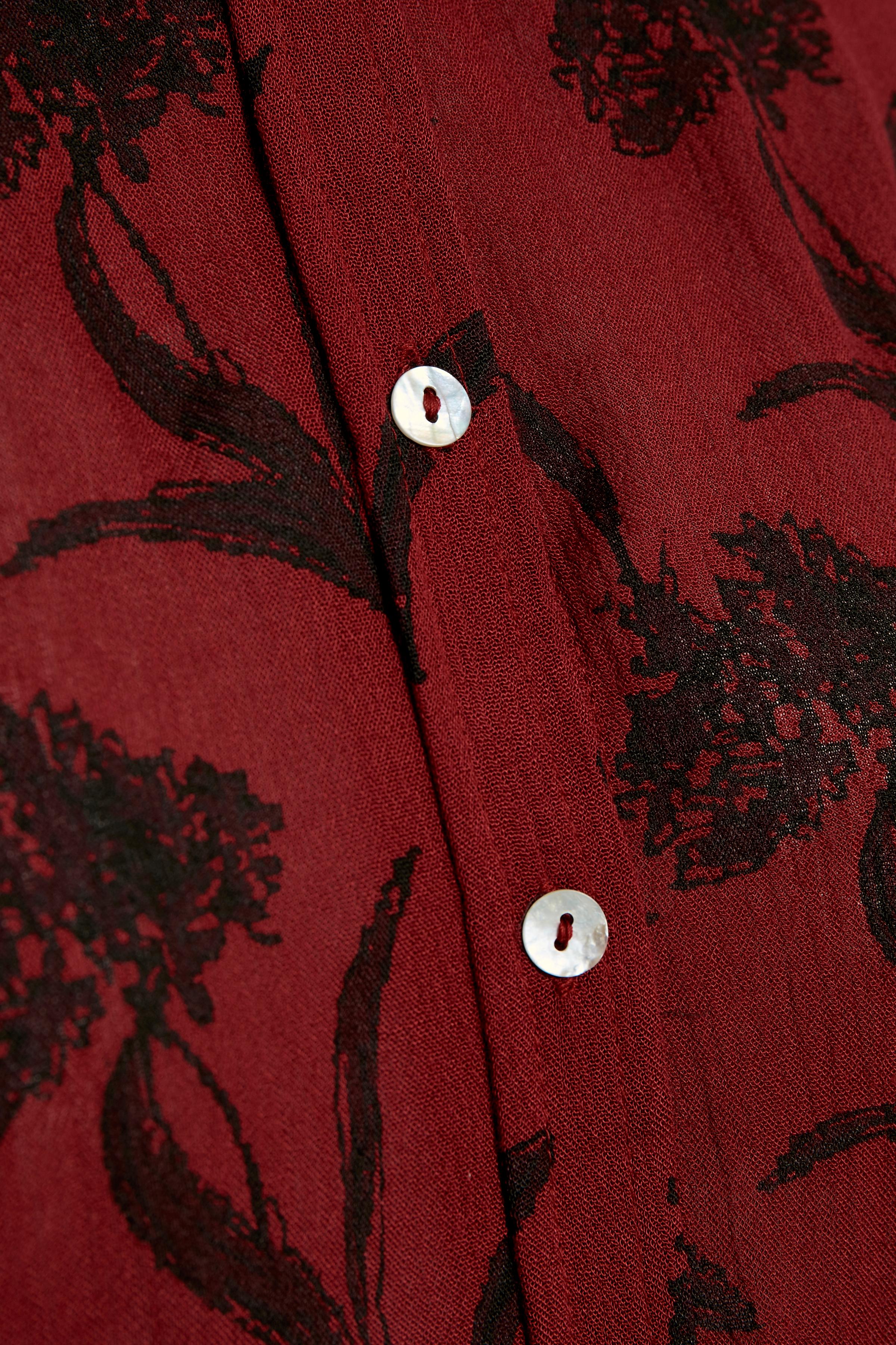 Mørkerød Langærmet skjorte fra Kaffe – Køb Mørkerød Langærmet skjorte fra str. 34-46 her