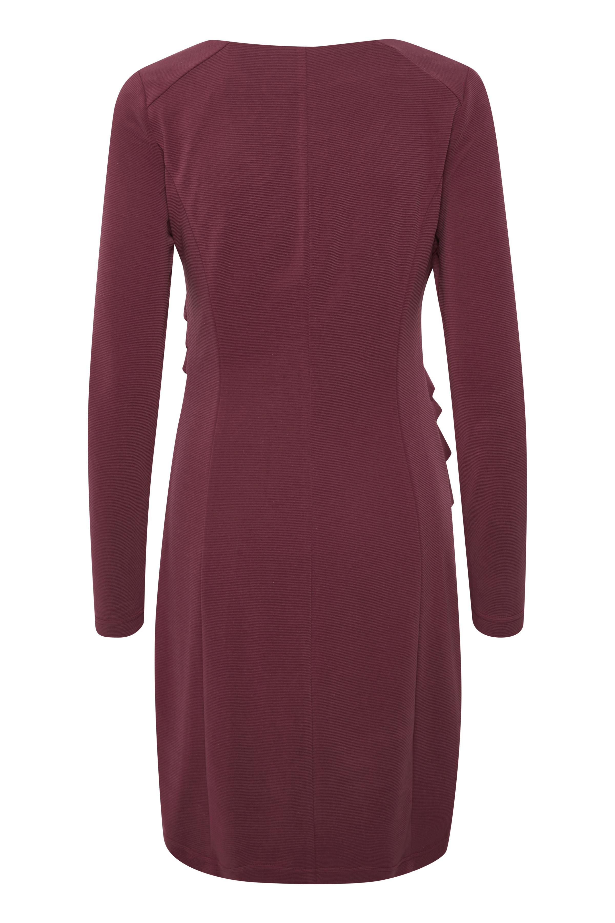 Mörk bordeaux Strickad klänning från Kaffe – Köp Mörk bordeaux Strickad klänning från stl. XS-XXL här