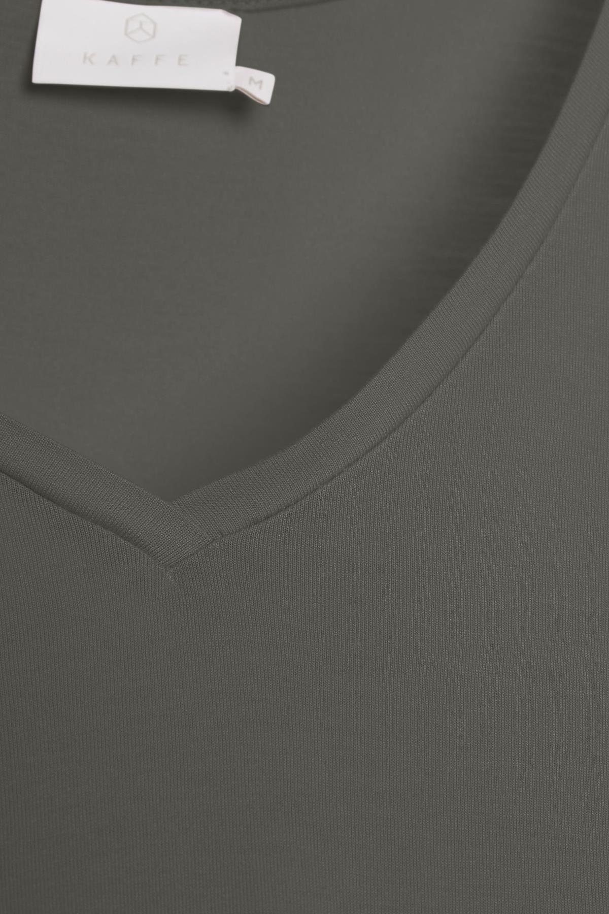 Mörk gråmelerad Kortärmad T-shirt från Kaffe – Köp Mörk gråmelerad Kortärmad T-shirt från stl. XS-XXL här
