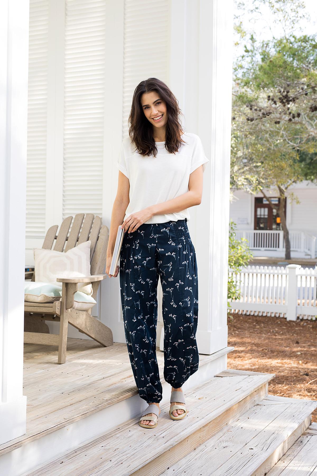 Mörk indigoblå/vit Byxor från Pulz Jeans – Köp Mörk indigoblå/vit Byxor från stl. XS-XXL här