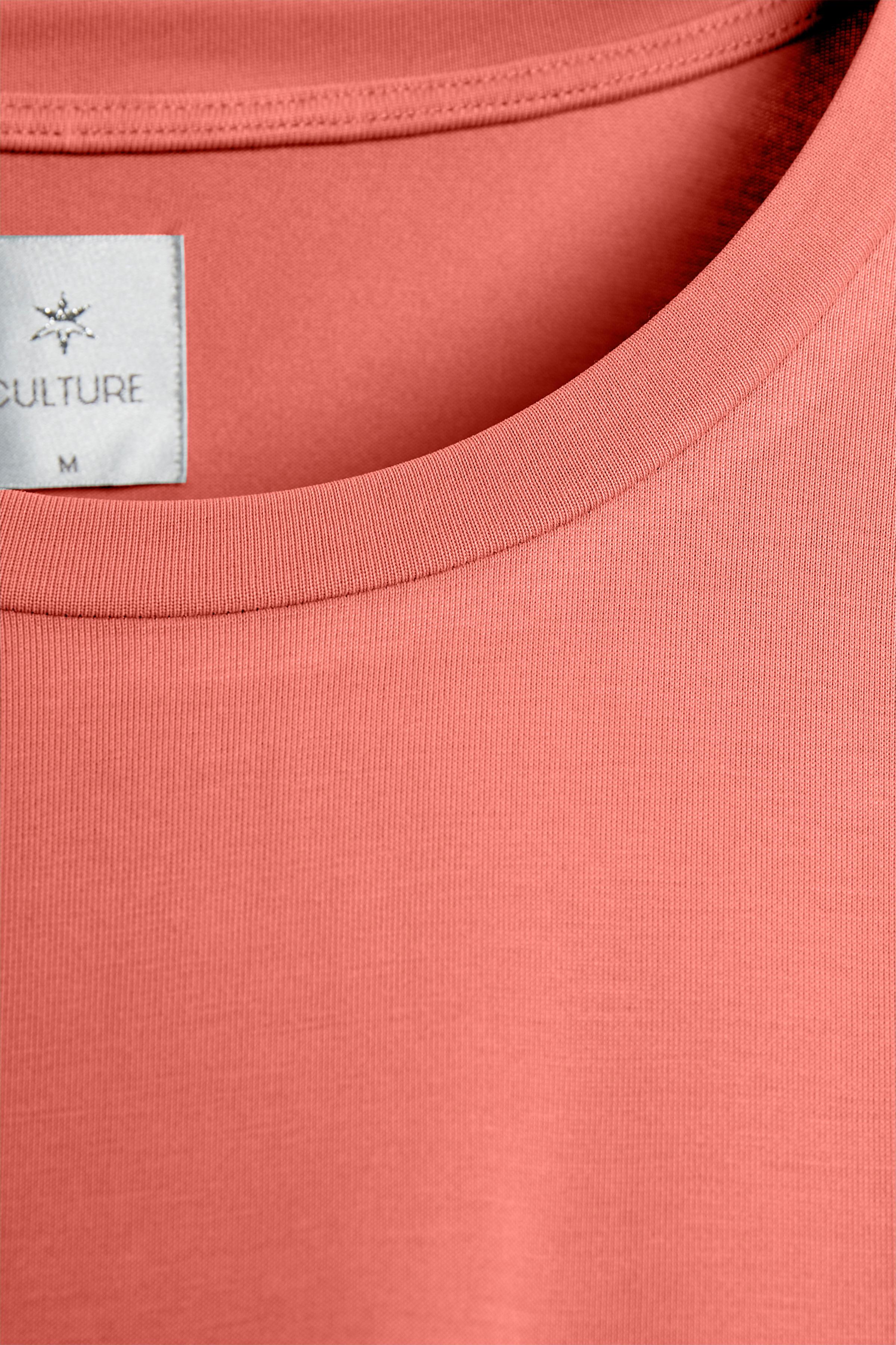 Mörk korall Kortärmad T-shirt från Culture – Köp Mörk korall Kortärmad T-shirt från stl. XS-XXL här