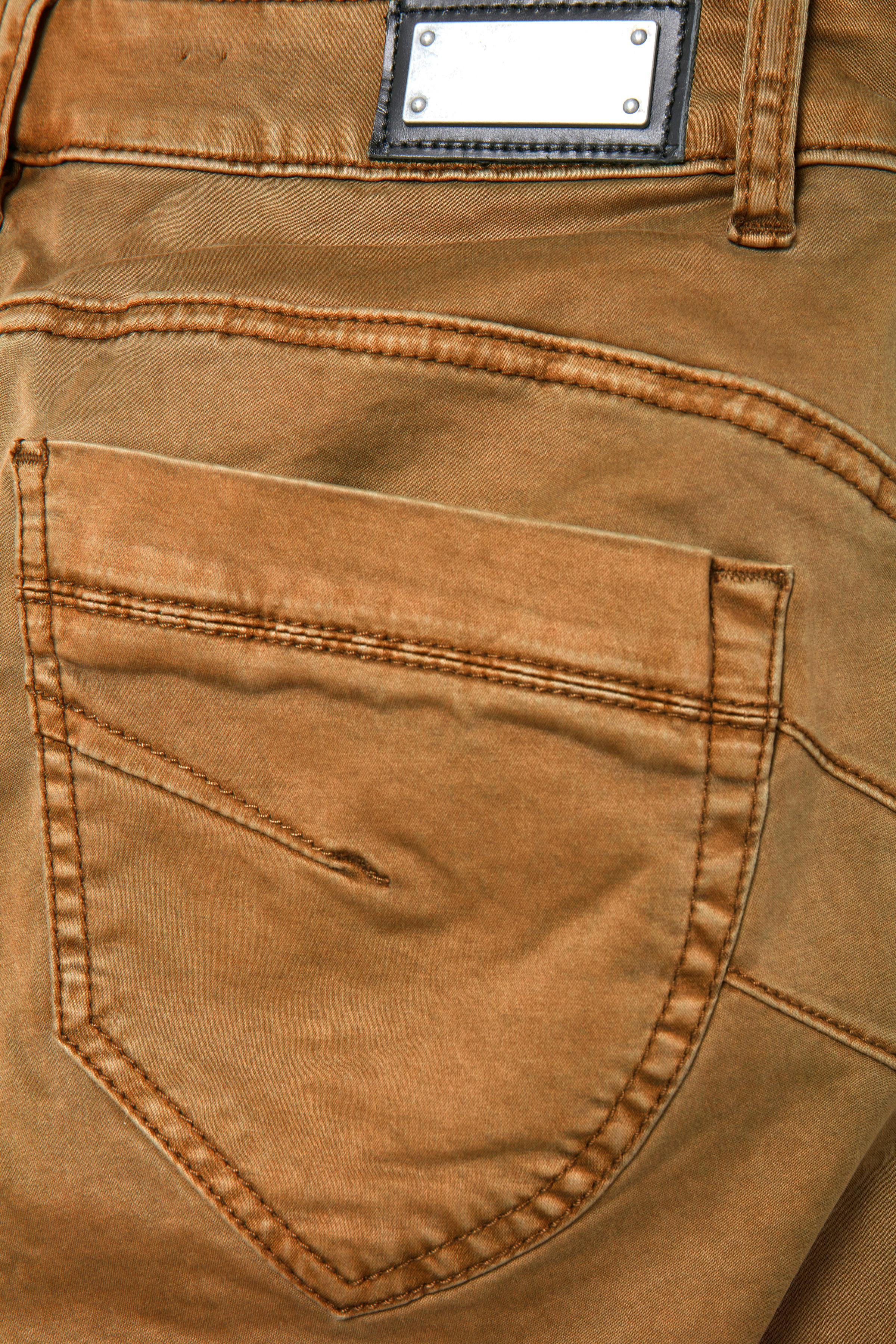Mörk sand Casual byxor från Dranella – Köp Mörk sand Casual byxor från stl. 32-46 här