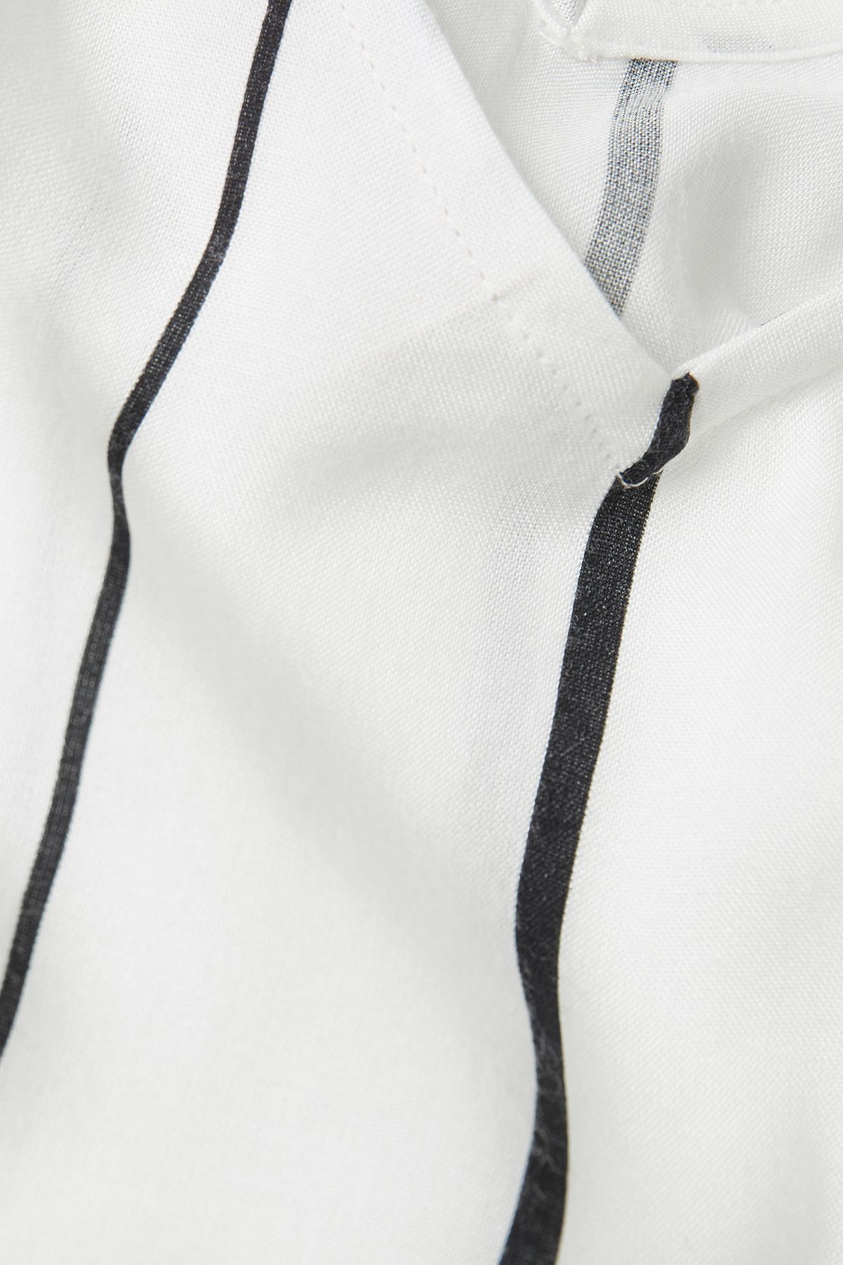 Off-white Kortärmad blus från Kaffe – Köp Off-white Kortärmad blus från stl. 34-46 här