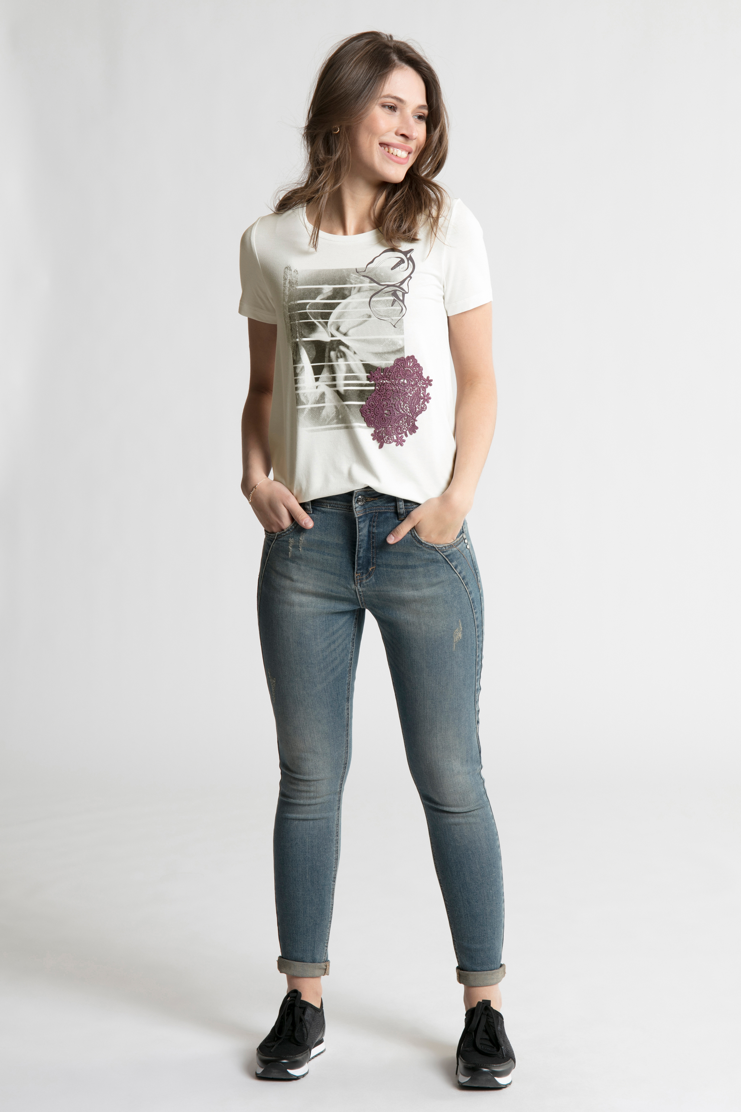 Off-white Kortärmad T-shirt från Bon'A Parte – Köp Off-white Kortärmad T-shirt från stl. S-2XL här