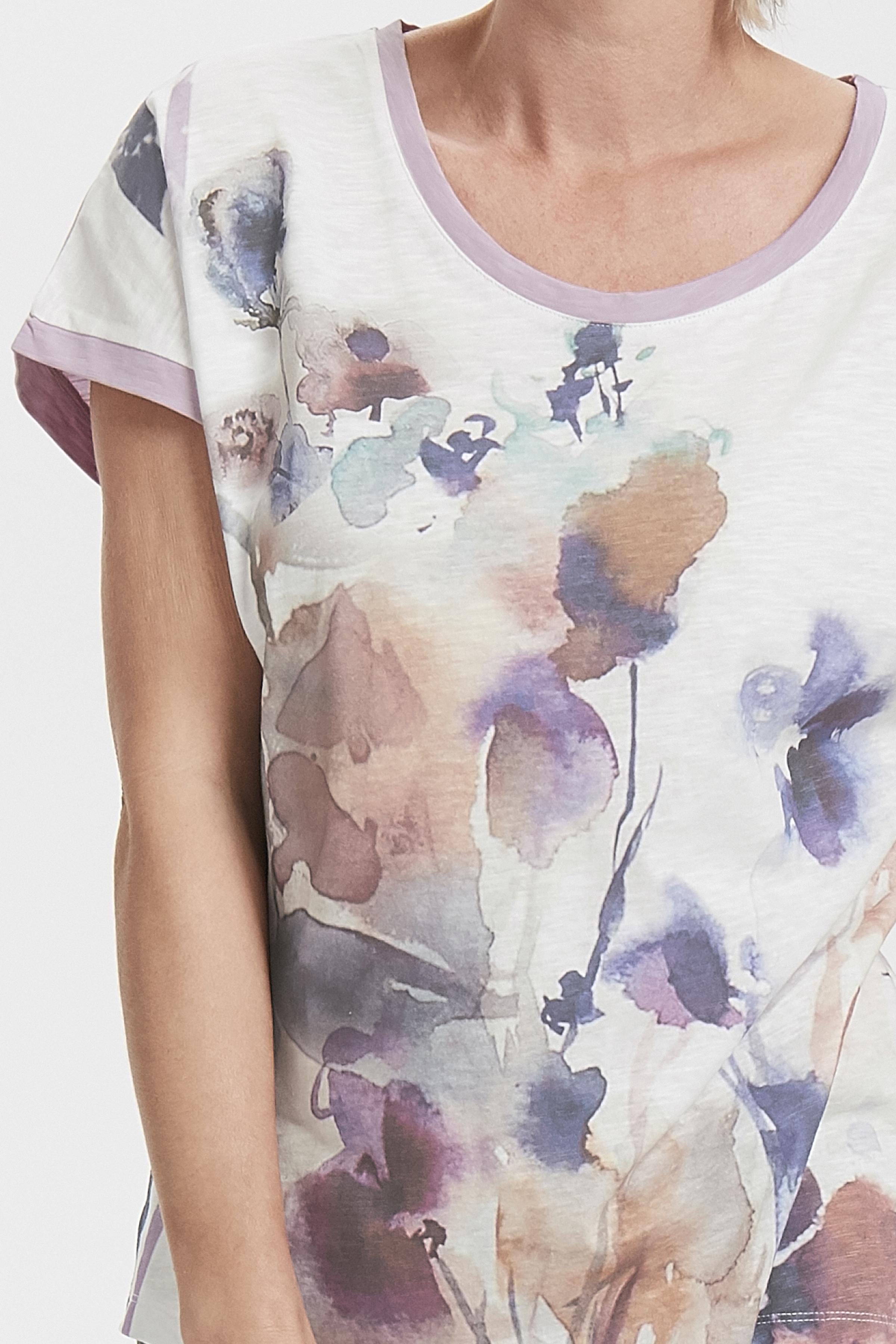 Off-white/ljus lila Kortärmad T-shirt från Cream – Köp Off-white/ljus lila Kortärmad T-shirt från stl. XS-XXL här