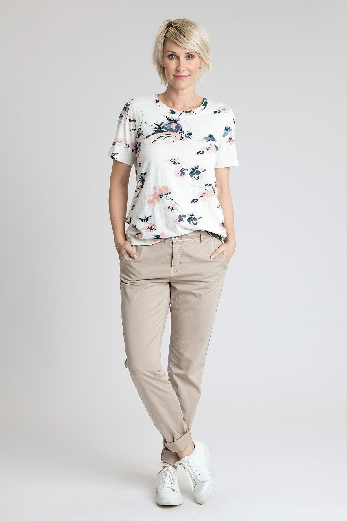 Off-white T-shirt korte mouw van Kaffe – Door Off-white T-shirt korte mouw van maat. XS-XXL hier