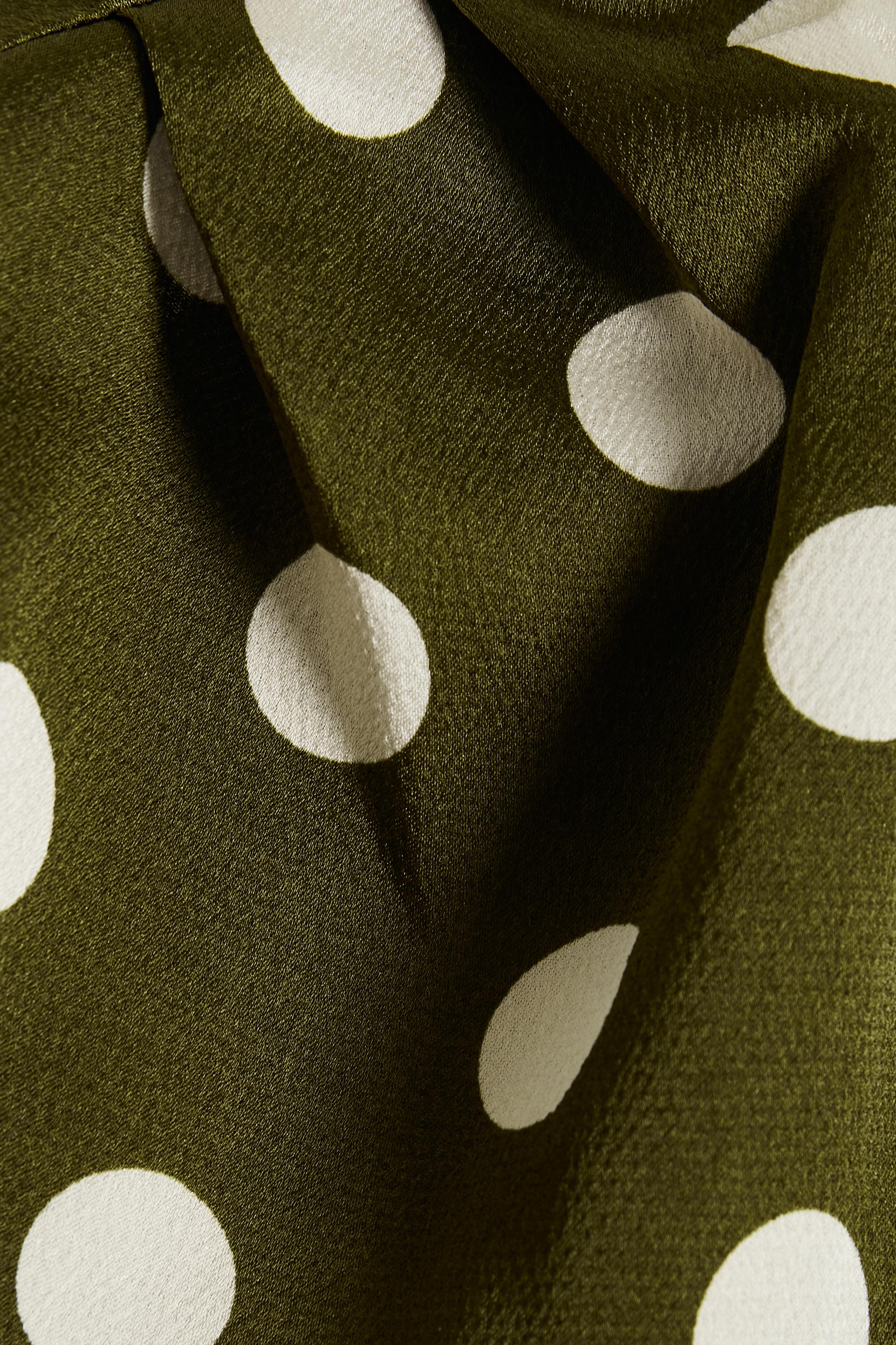 Olivgrön/vit Kortärmad blus  från Culture – Köp Olivgrön/vit Kortärmad blus  från stl. XS-XXL här