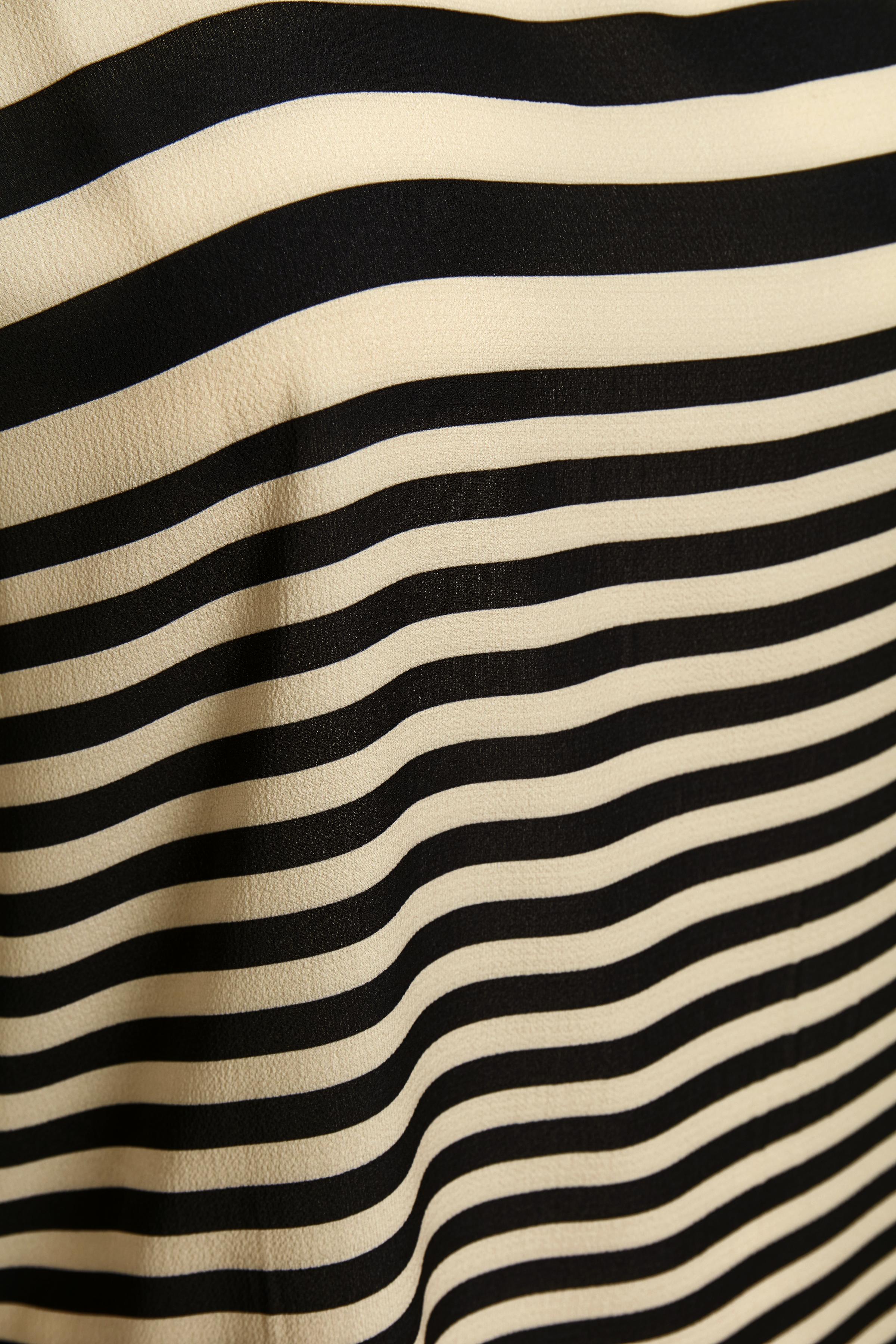 Sand/svart Kortärmad blus från Bon'A Parte – Köp Sand/svart Kortärmad blus från stl. S-2XL här