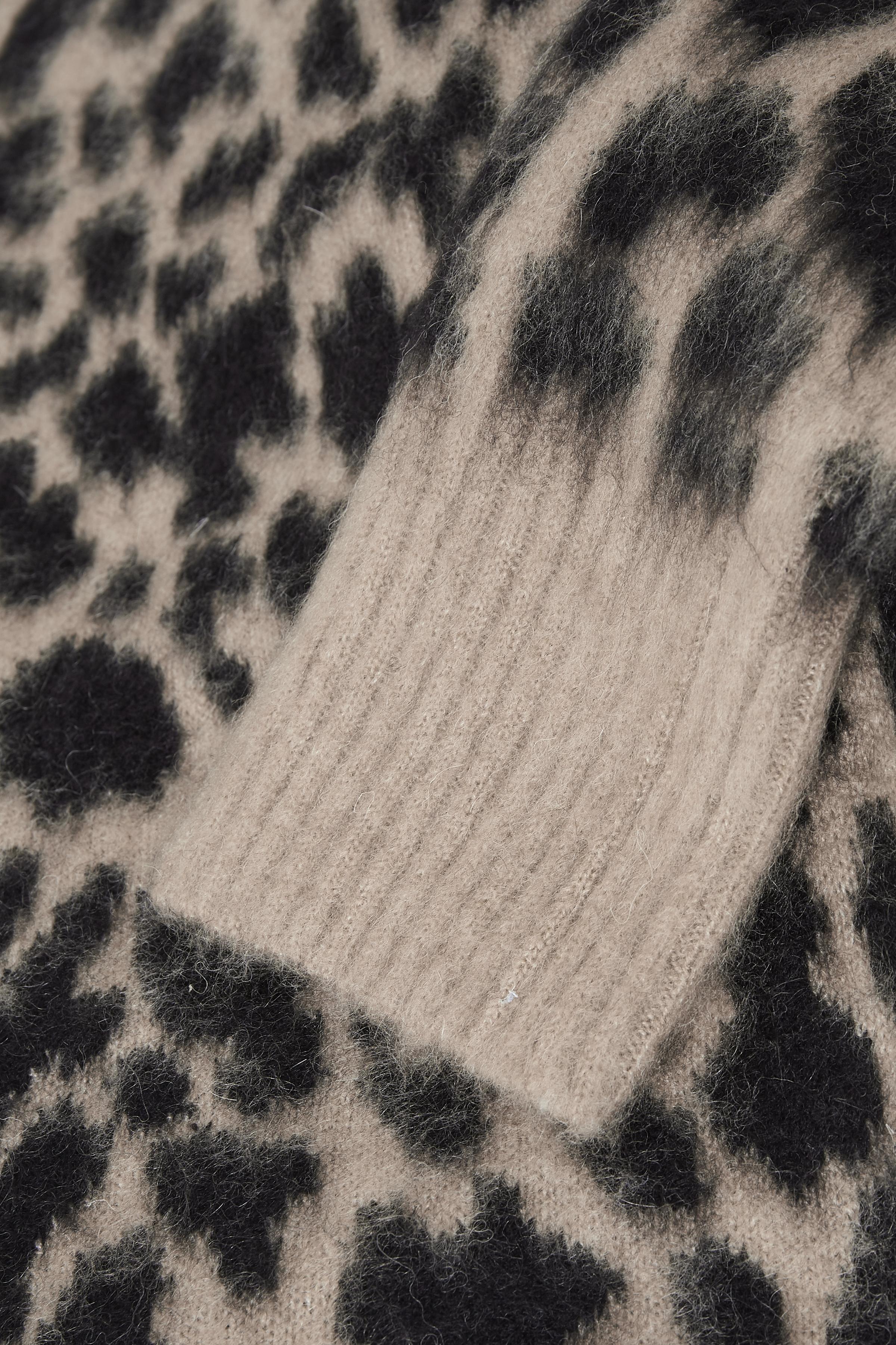 Sand/svart Stickad pullover från Kaffe – Köp Sand/svart Stickad pullover från stl. XS-XXL här