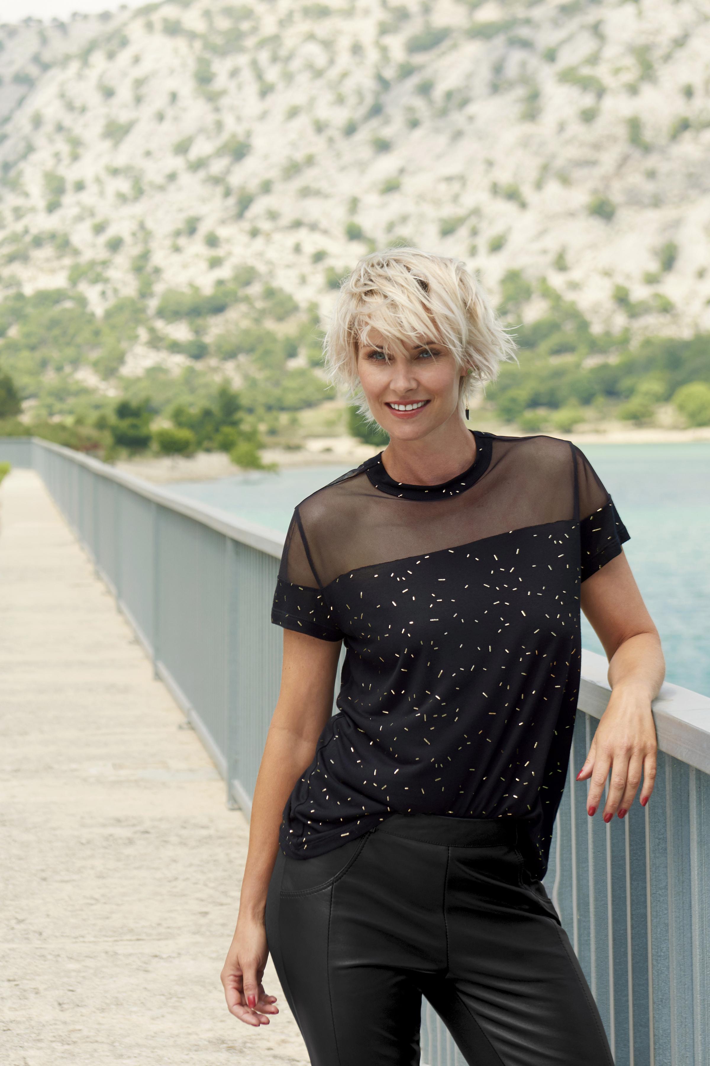 Sort/guld Kortærmet bluse fra Fransa – Køb Sort/guld Kortærmet bluse fra str. XS-XXL her
