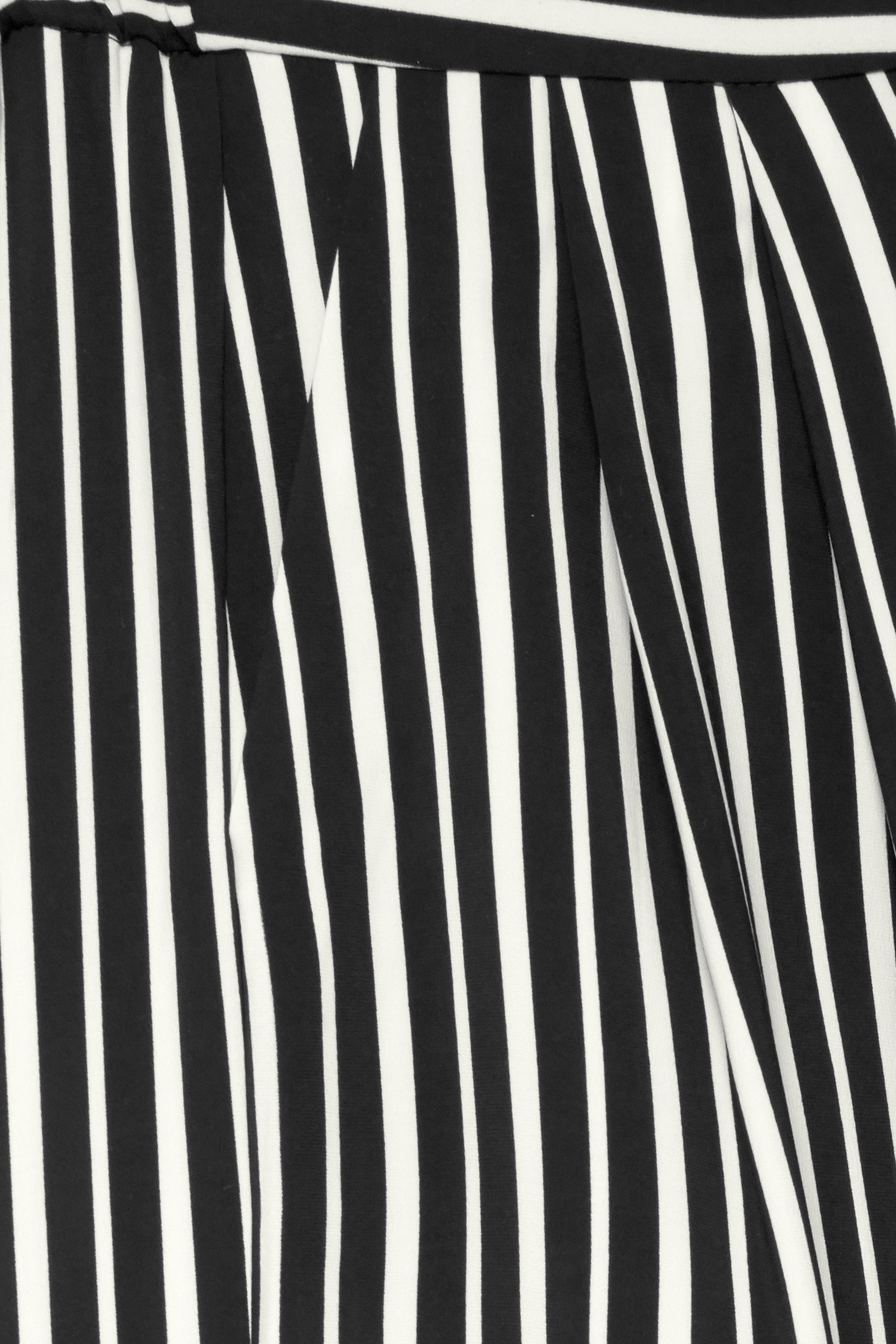Sort/hvid Ankelbuks fra b.young – Køb Sort/hvid Ankelbuks fra str. 34-46 her