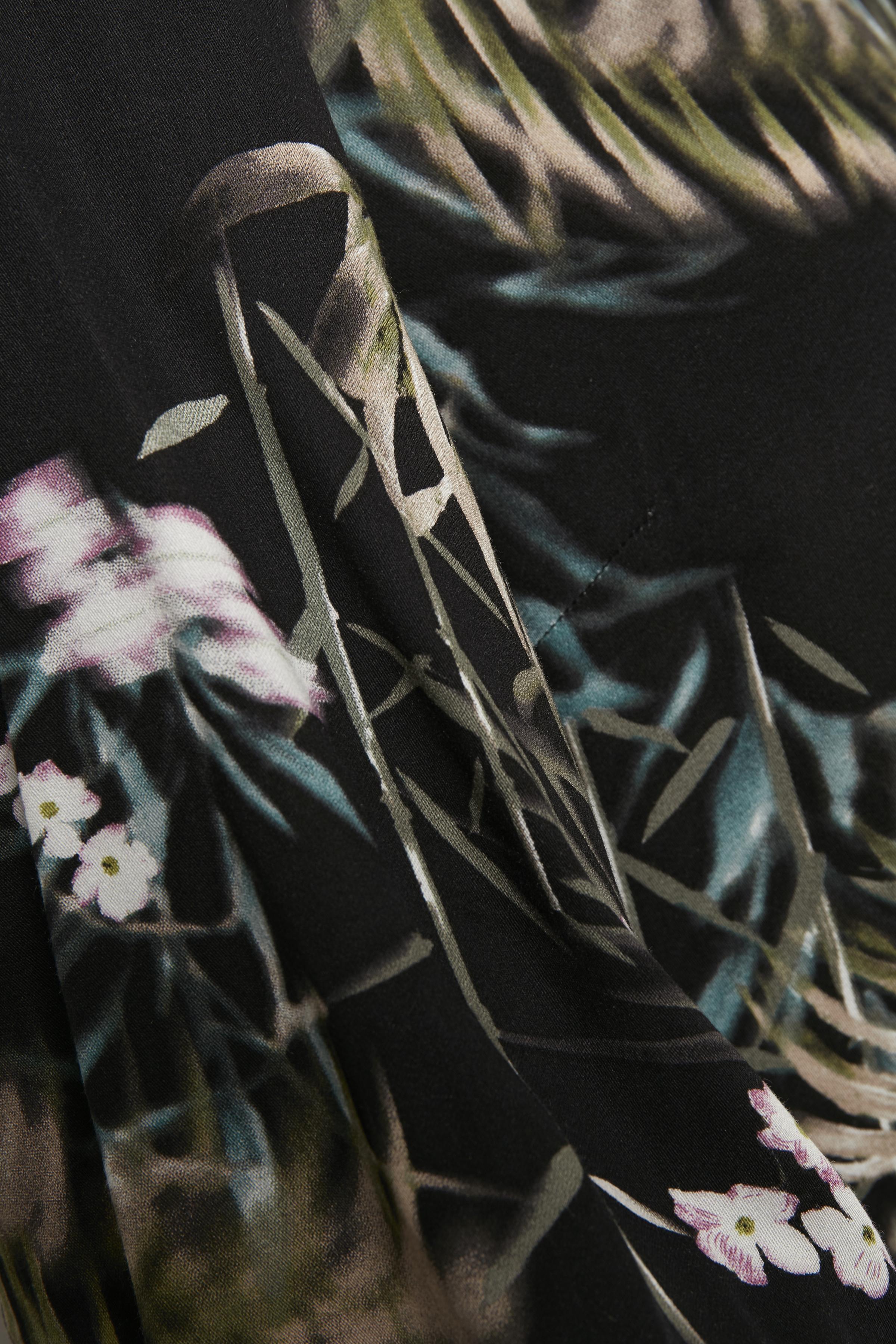Sort/olivengrøn Kjole fra Culture – Køb Sort/olivengrøn Kjole fra str. XS-XXL her