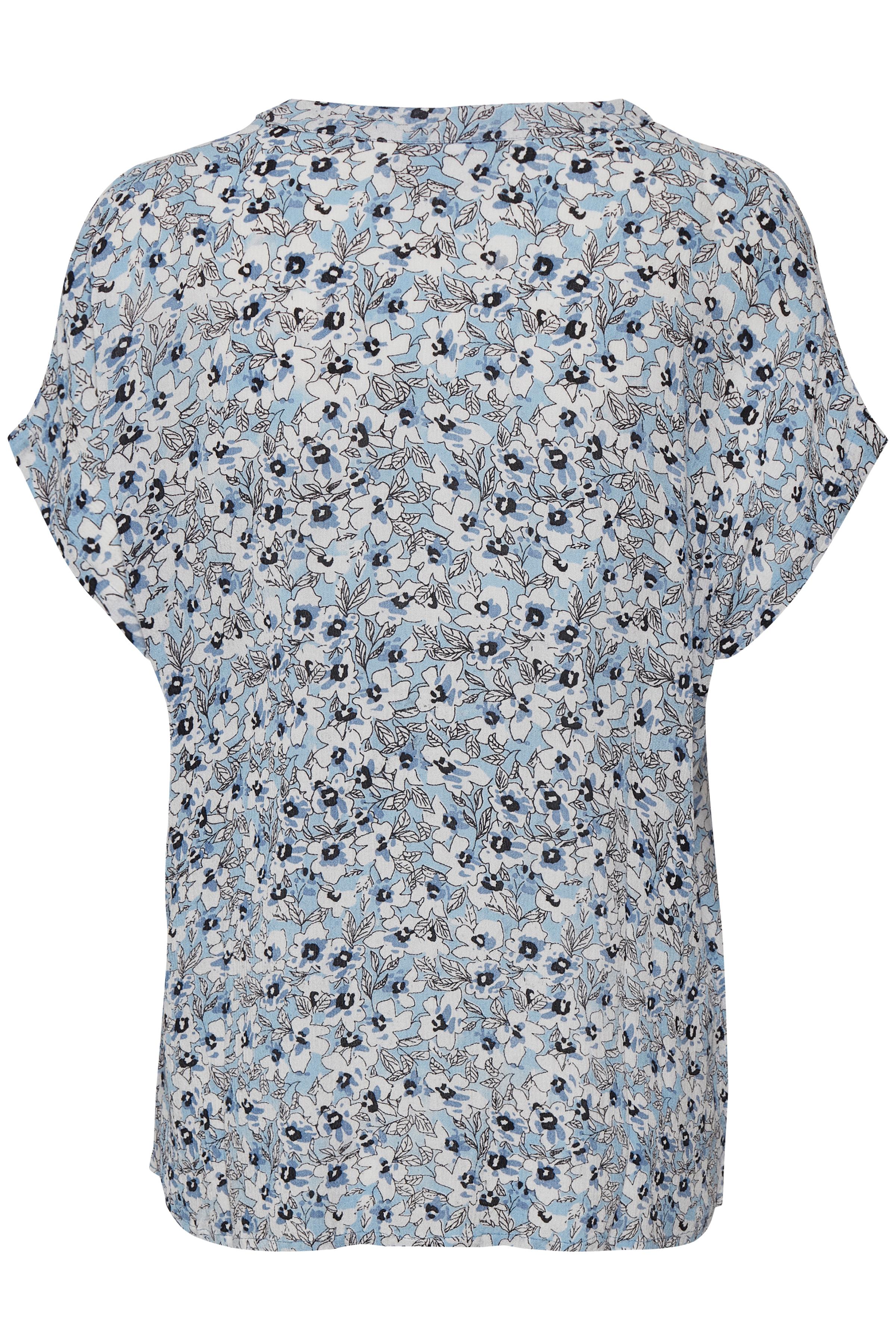 Staubblau/weiss Kurzarm-Bluse  von Kaffe – Shoppen SieStaubblau/weiss Kurzarm-Bluse  ab Gr. 34-46 hier