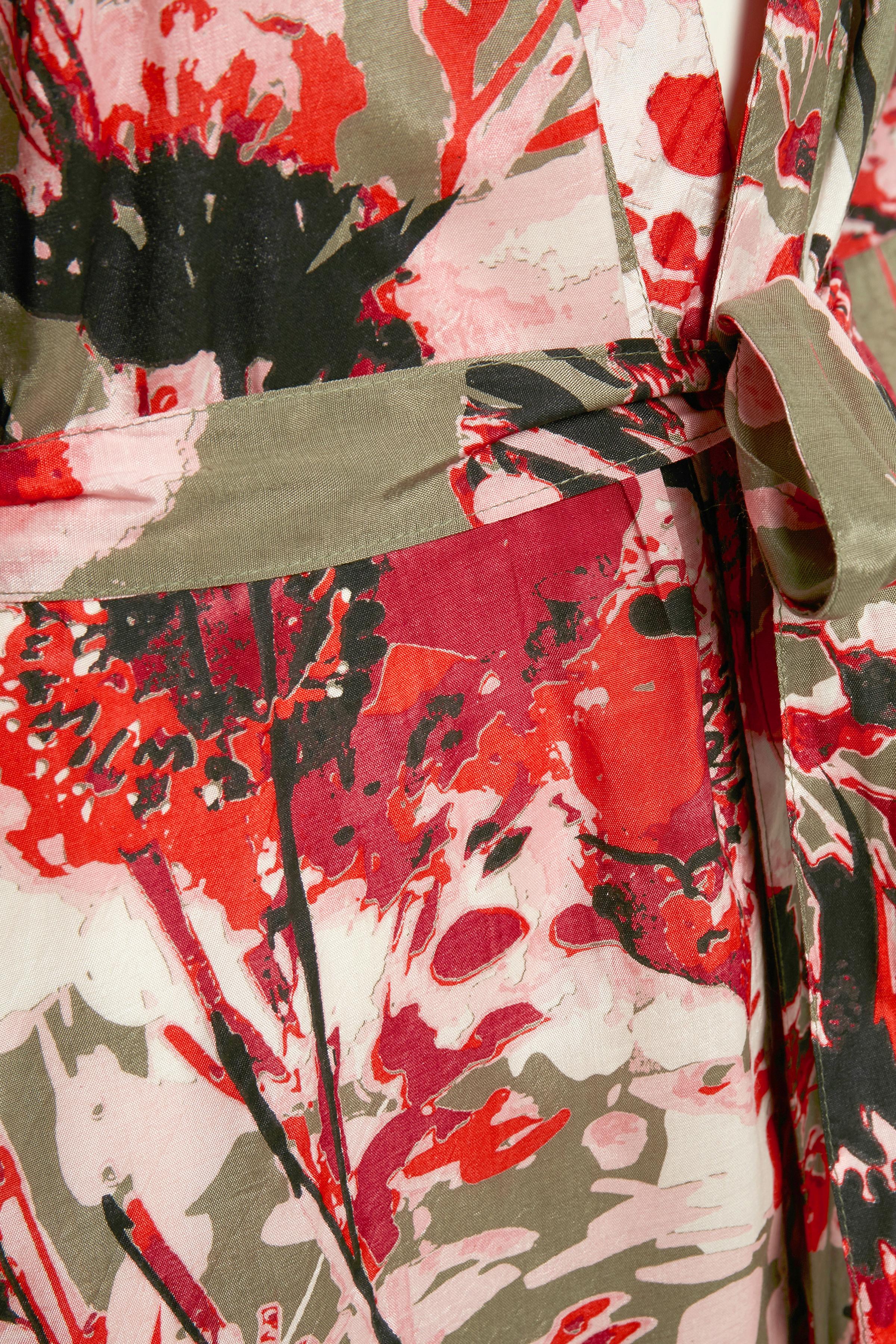 Støvet oliven/rød Kimono fra Kaffe – Køb Støvet oliven/rød Kimono fra str. 34-46 her