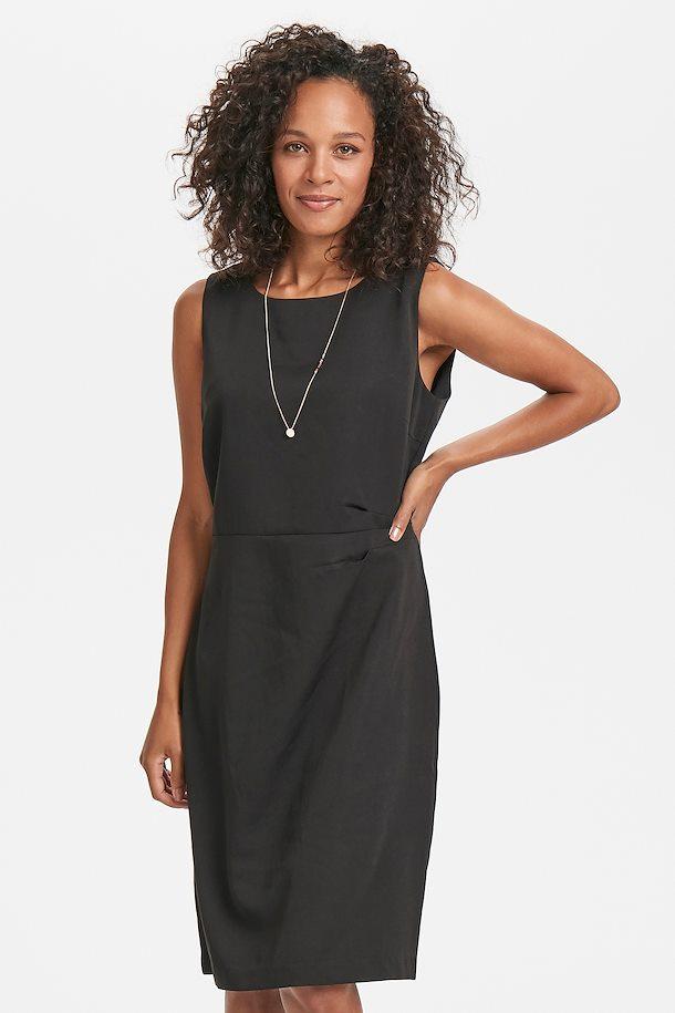 svart klänning utan ärm