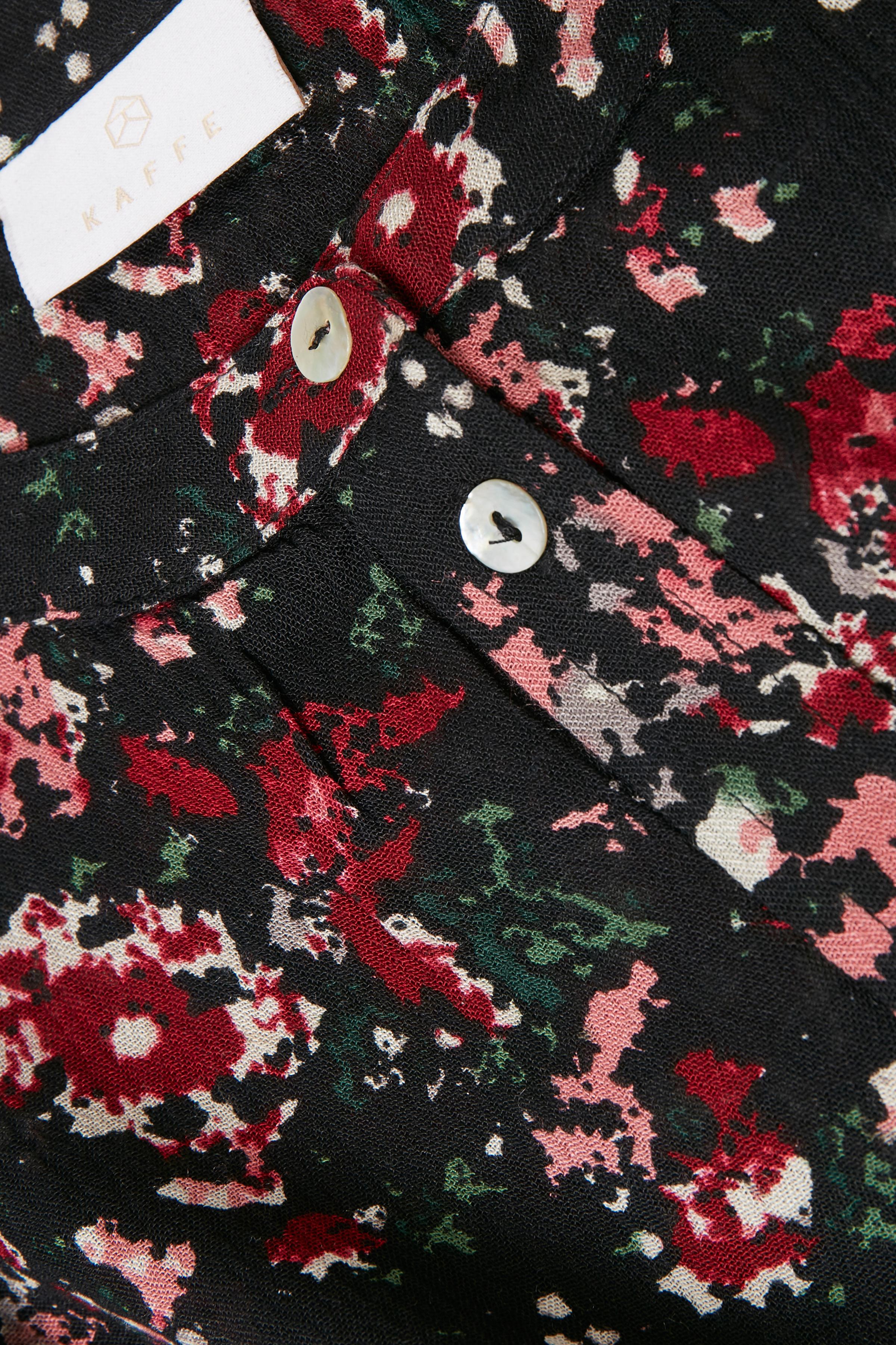 Svart/röd Långärmad skjorta från Kaffe – Köp Svart/röd Långärmad skjorta från stl. 34-46 här