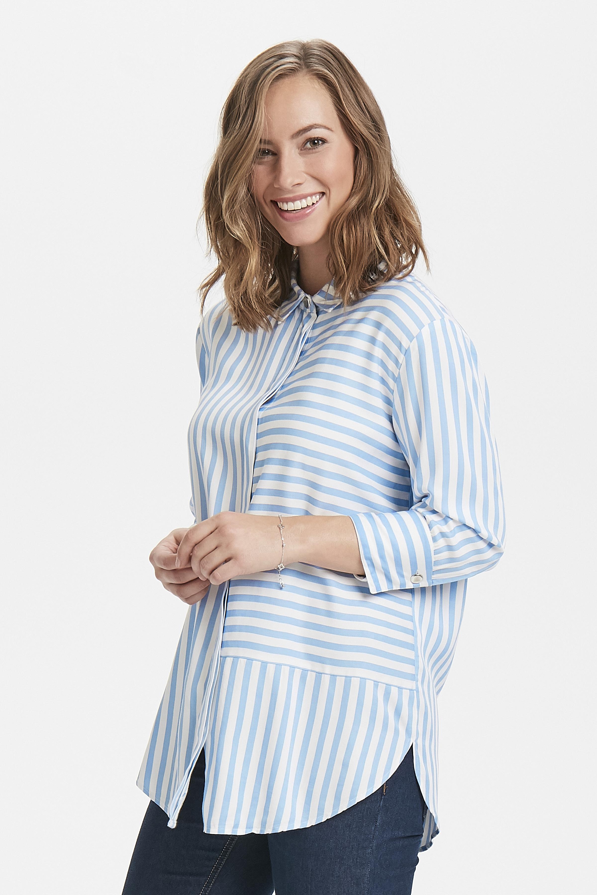 Vit/ljusblå Långärmad skjorta från Fransa – Köp Vit/ljusblå Långärmad skjorta från stl. XS-XXL här