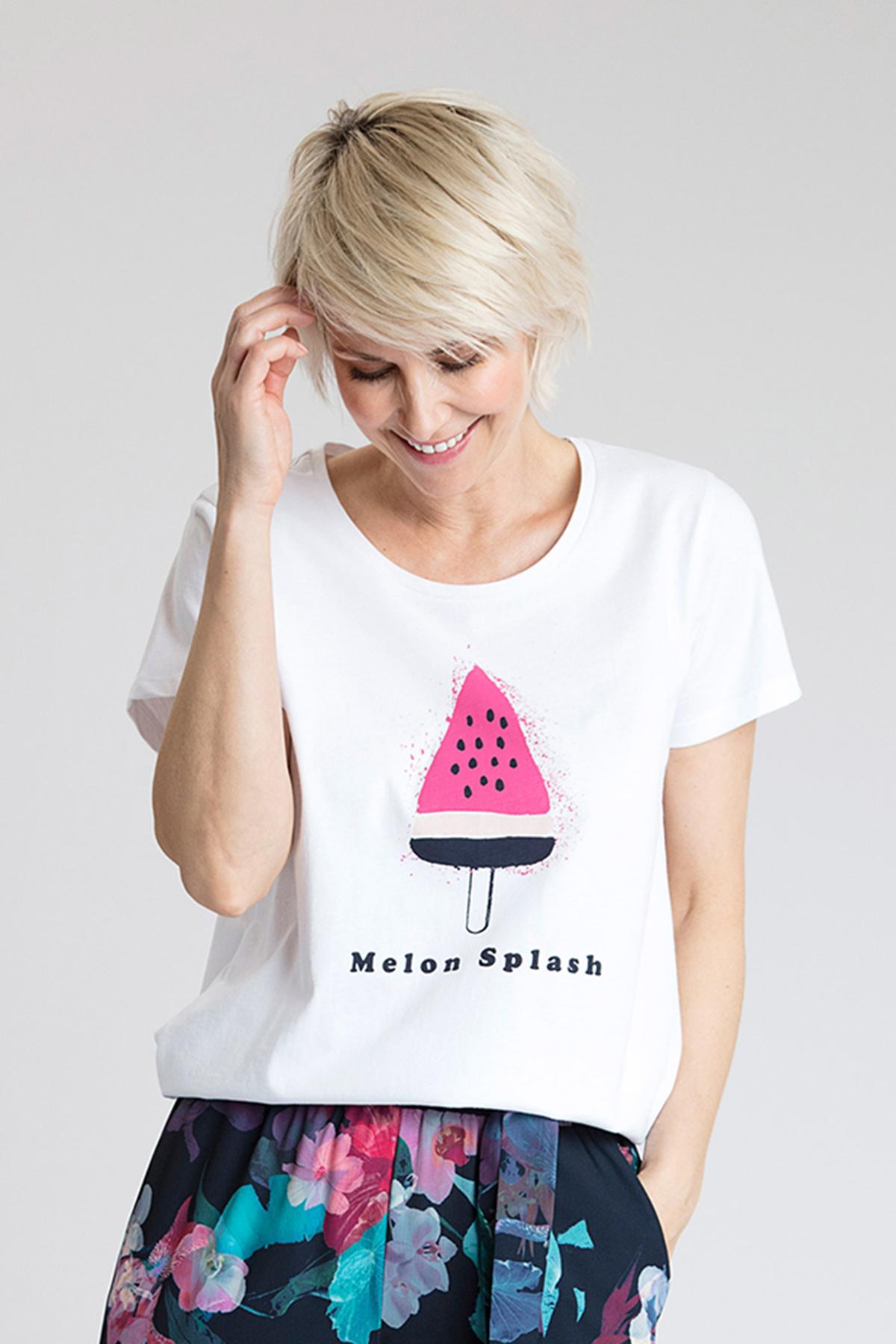 Vit/marinblå Kortärmad T-shirt från Kaffe – Köp Vit/marinblå Kortärmad T-shirt från stl. L-XXL här