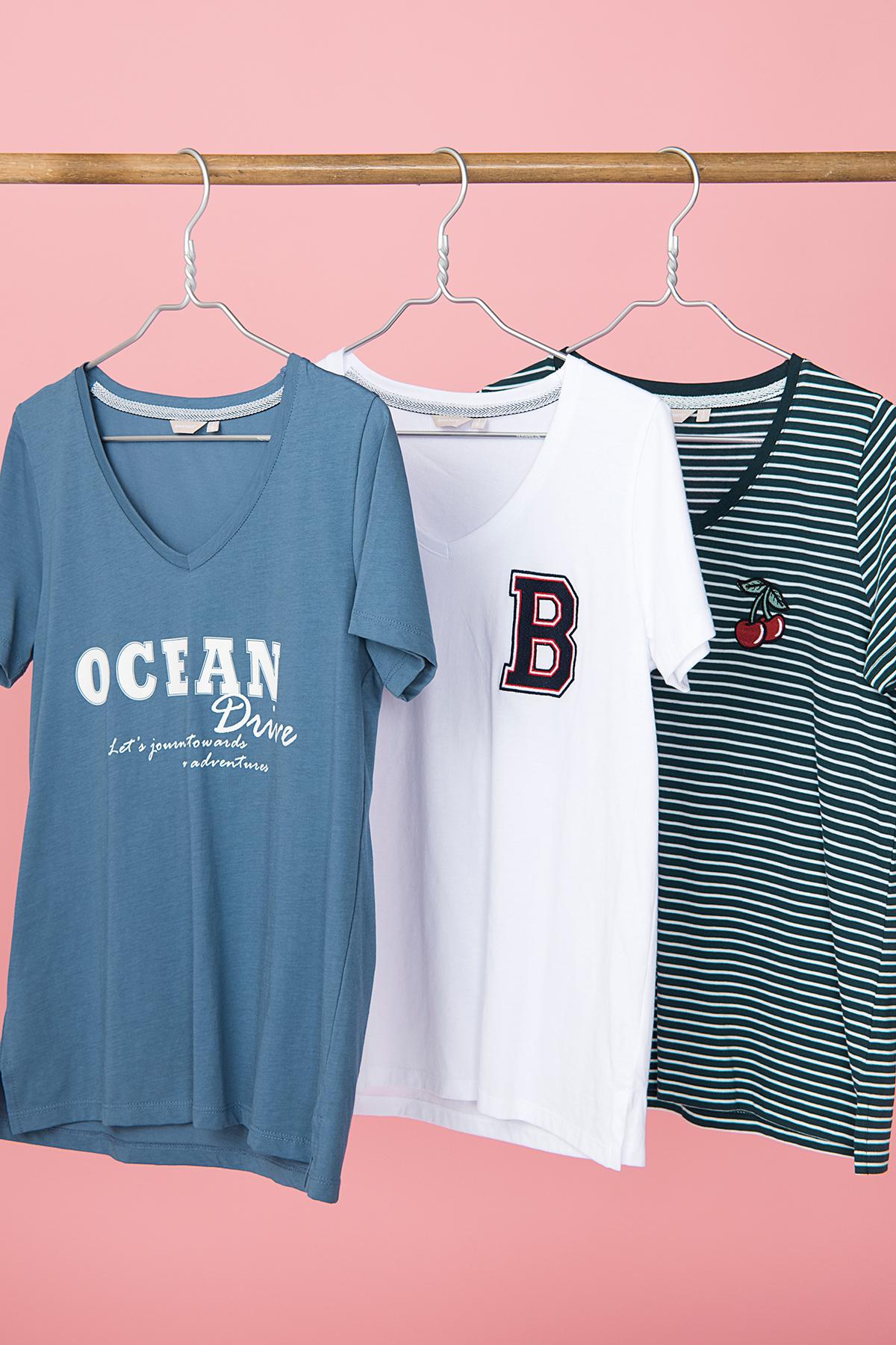 Weiss Kurzarm T-Shirt von Bon'A Parte – Shoppen SieWeiss Kurzarm T-Shirt ab Gr. S-2XL hier