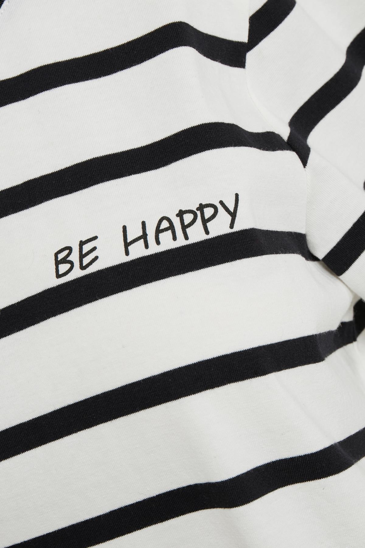Wit/zwart T-shirt korte mouw van Kaffe – Door Wit/zwart T-shirt korte mouw van maat. XS-XXL hier