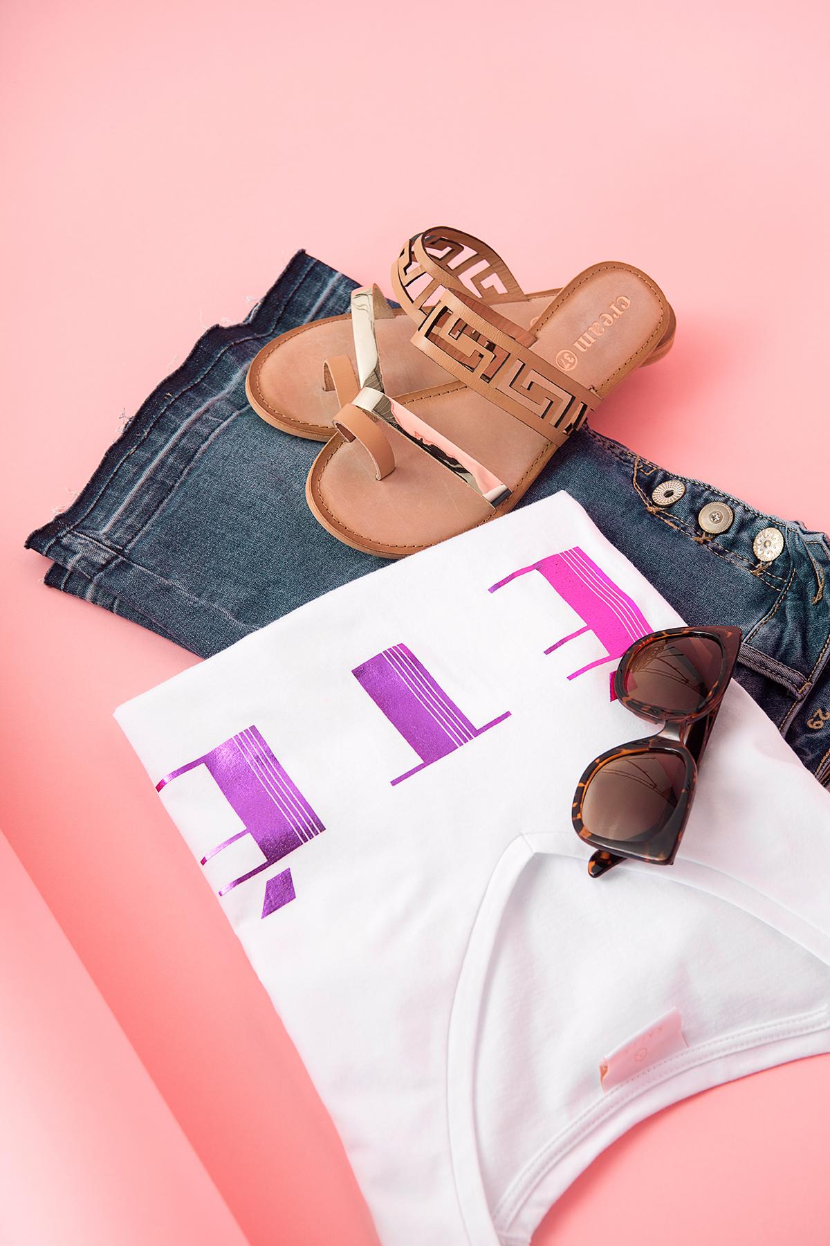 Wollweiß/fuchsia Kurzarm T-Shirt von Kaffe – Shoppen Sie Wollweiß/fuchsia Kurzarm T-Shirt ab Gr. L-XXL hier