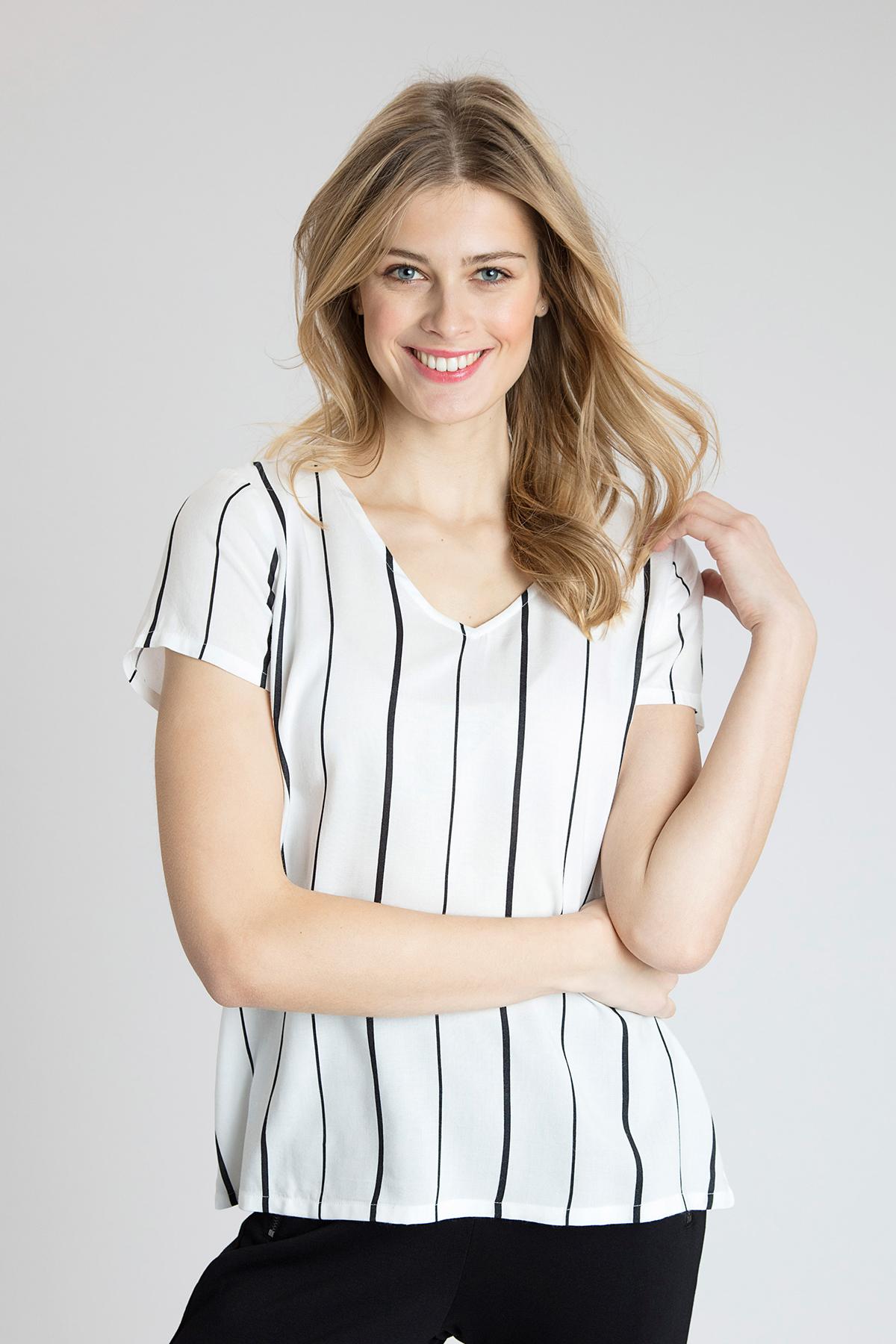 Wollweiss Kurzarm-Bluse von Kaffe – Shoppen SieWollweiss Kurzarm-Bluse ab Gr. 34-46 hier