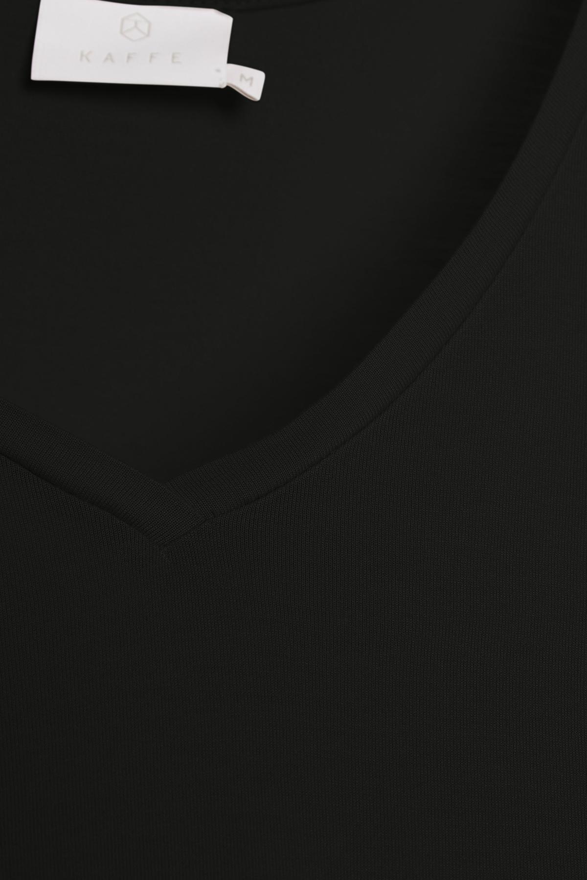 Zwart T-shirt korte mouw van Kaffe – Door Zwart T-shirt korte mouw van maat. XS-XXL hier